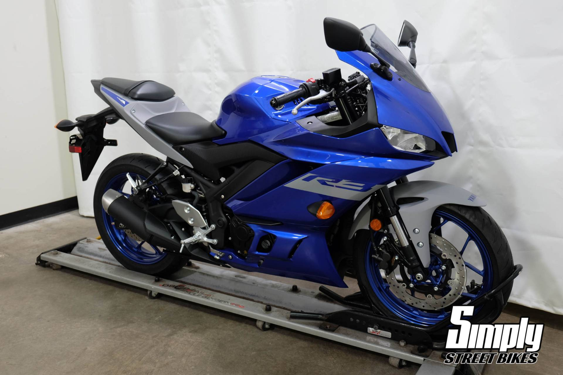 2020 Yamaha YZF-R3 in Eden Prairie, Minnesota - Photo 2