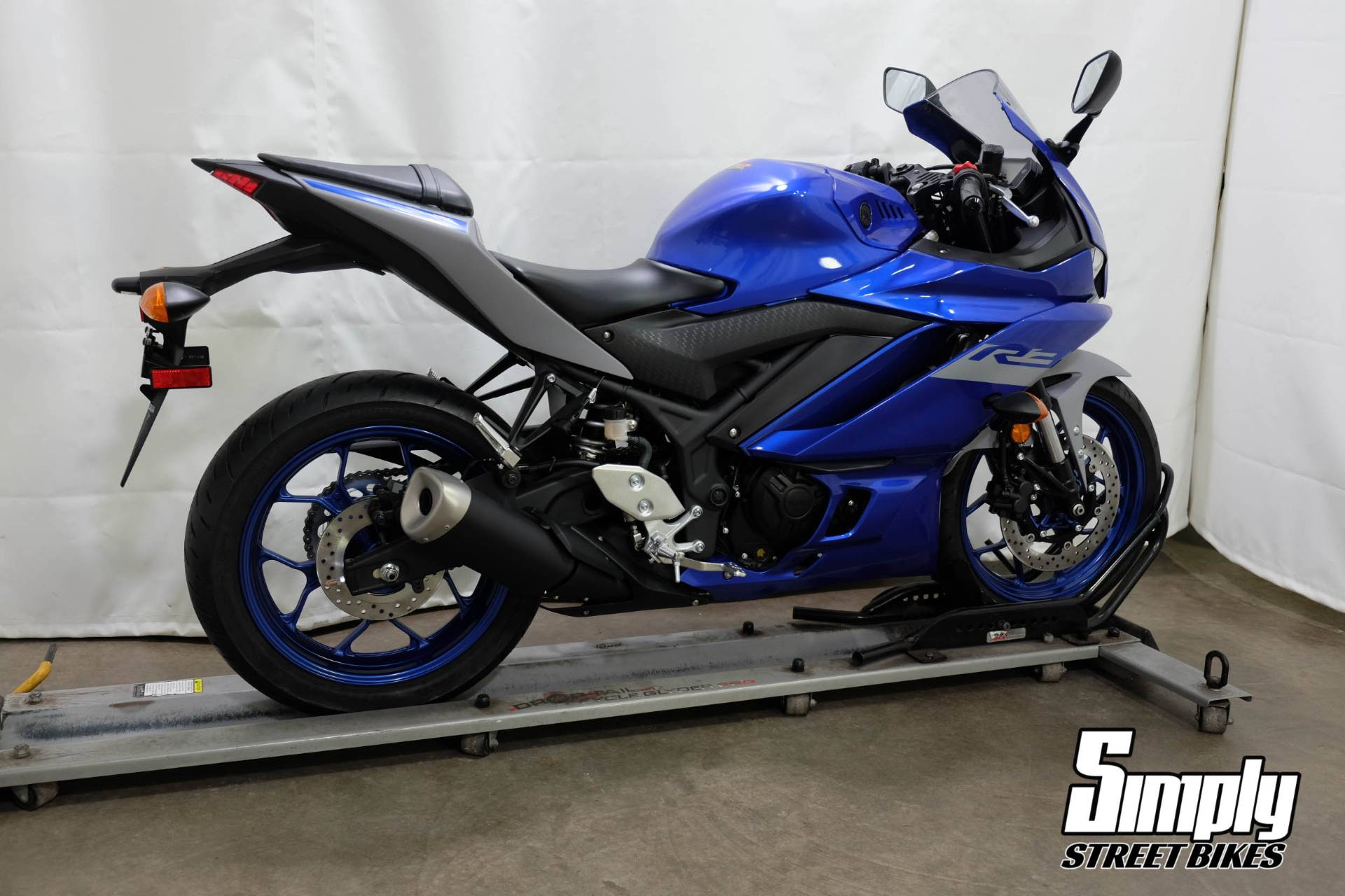2020 Yamaha YZF-R3 in Eden Prairie, Minnesota - Photo 8