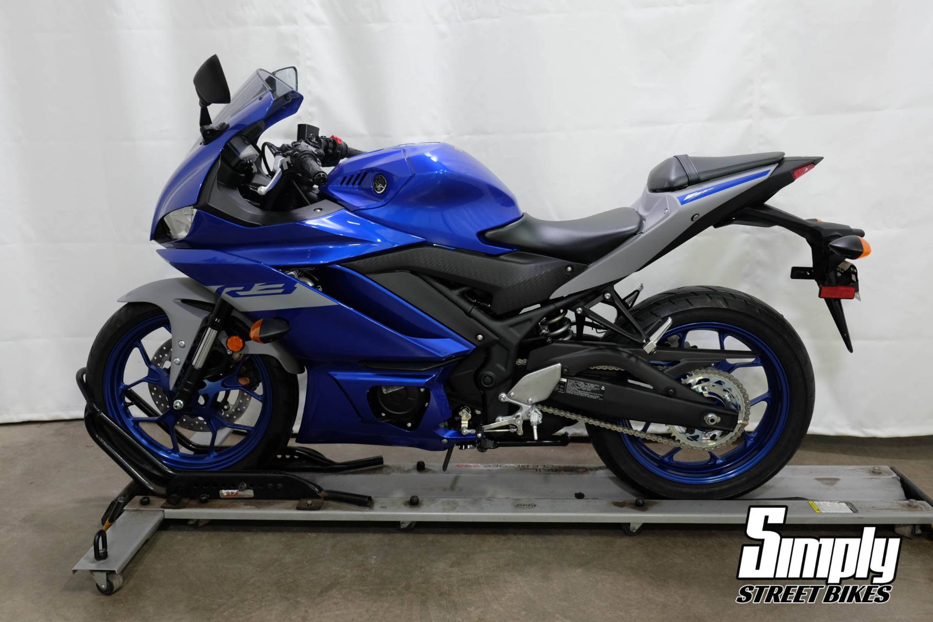 2020 Yamaha YZF-R3 in Eden Prairie, Minnesota - Photo 5