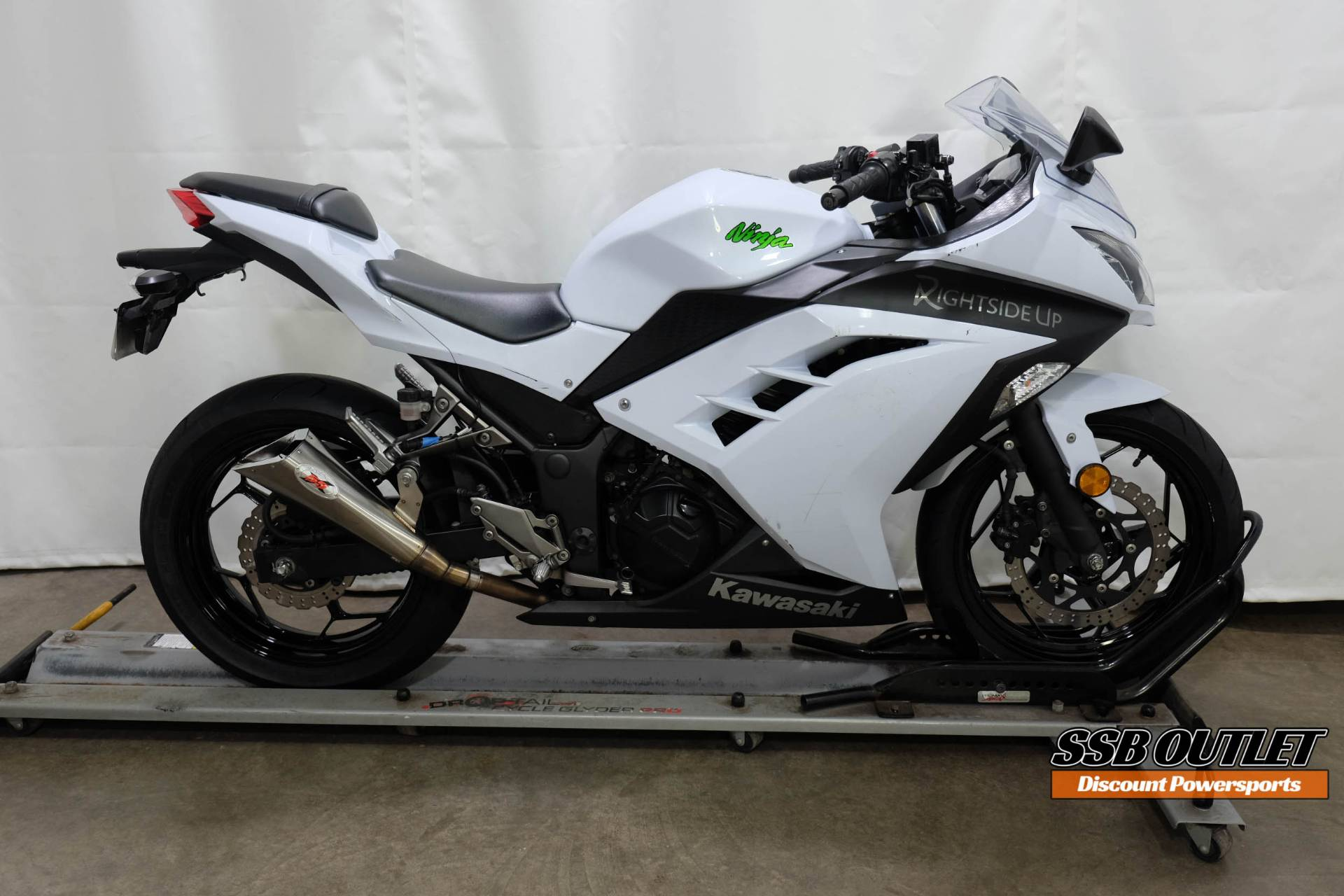 2015 Kawasaki Ninja® 300 SE in Eden Prairie, Minnesota - Photo 1