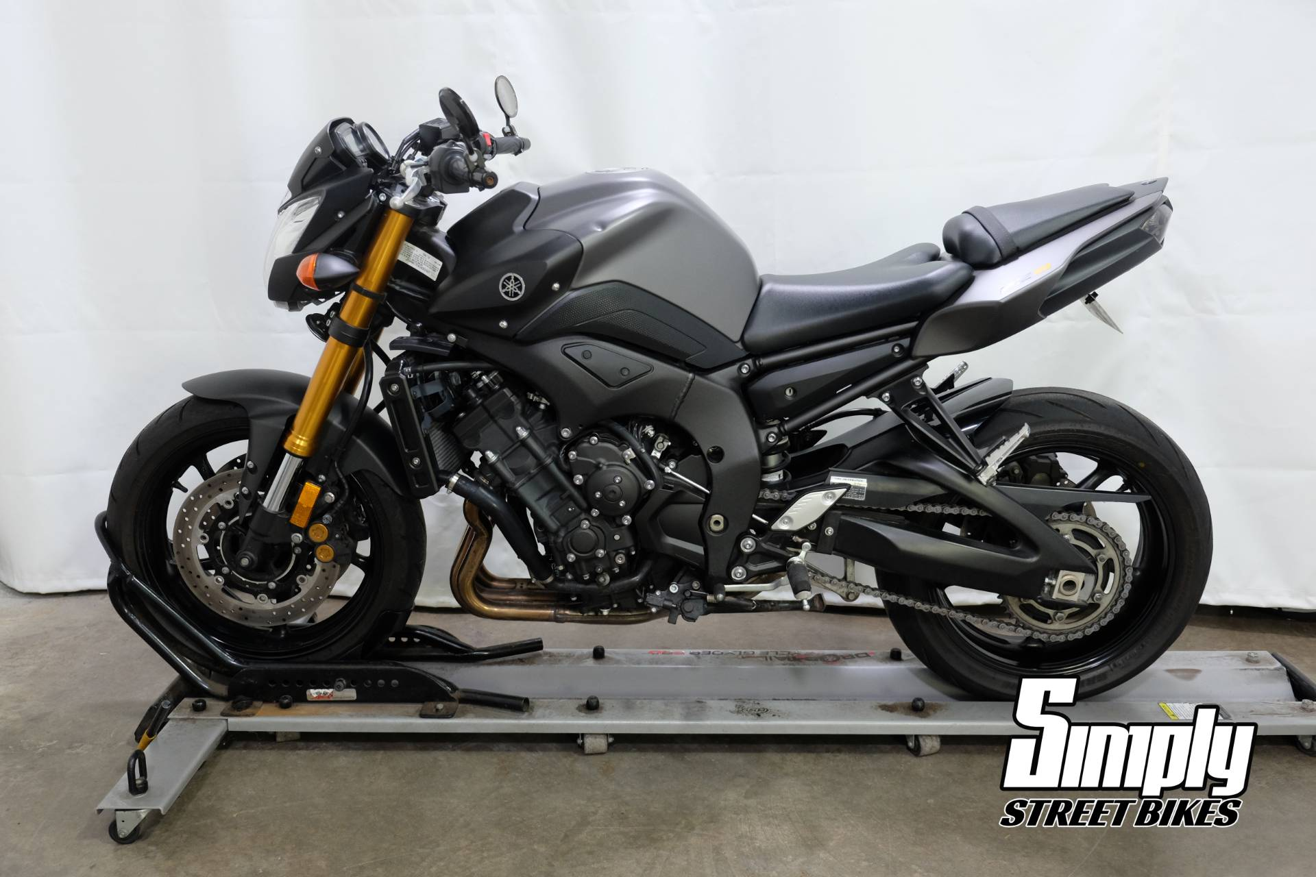 2012 Yamaha FZ8 in Eden Prairie, Minnesota - Photo 5