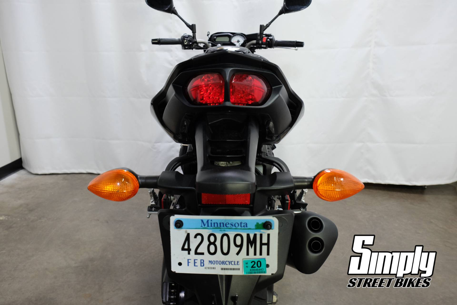 2011 Yamaha FZ8 in Eden Prairie, Minnesota - Photo 21