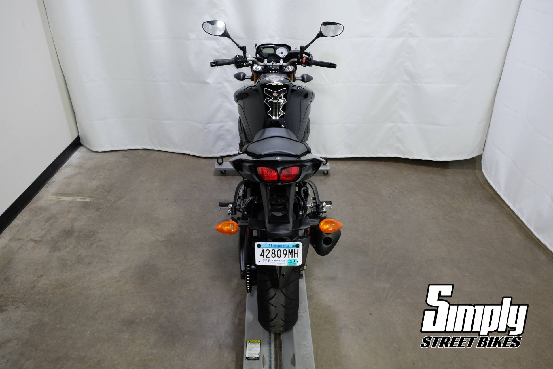 2011 Yamaha FZ8 in Eden Prairie, Minnesota - Photo 23