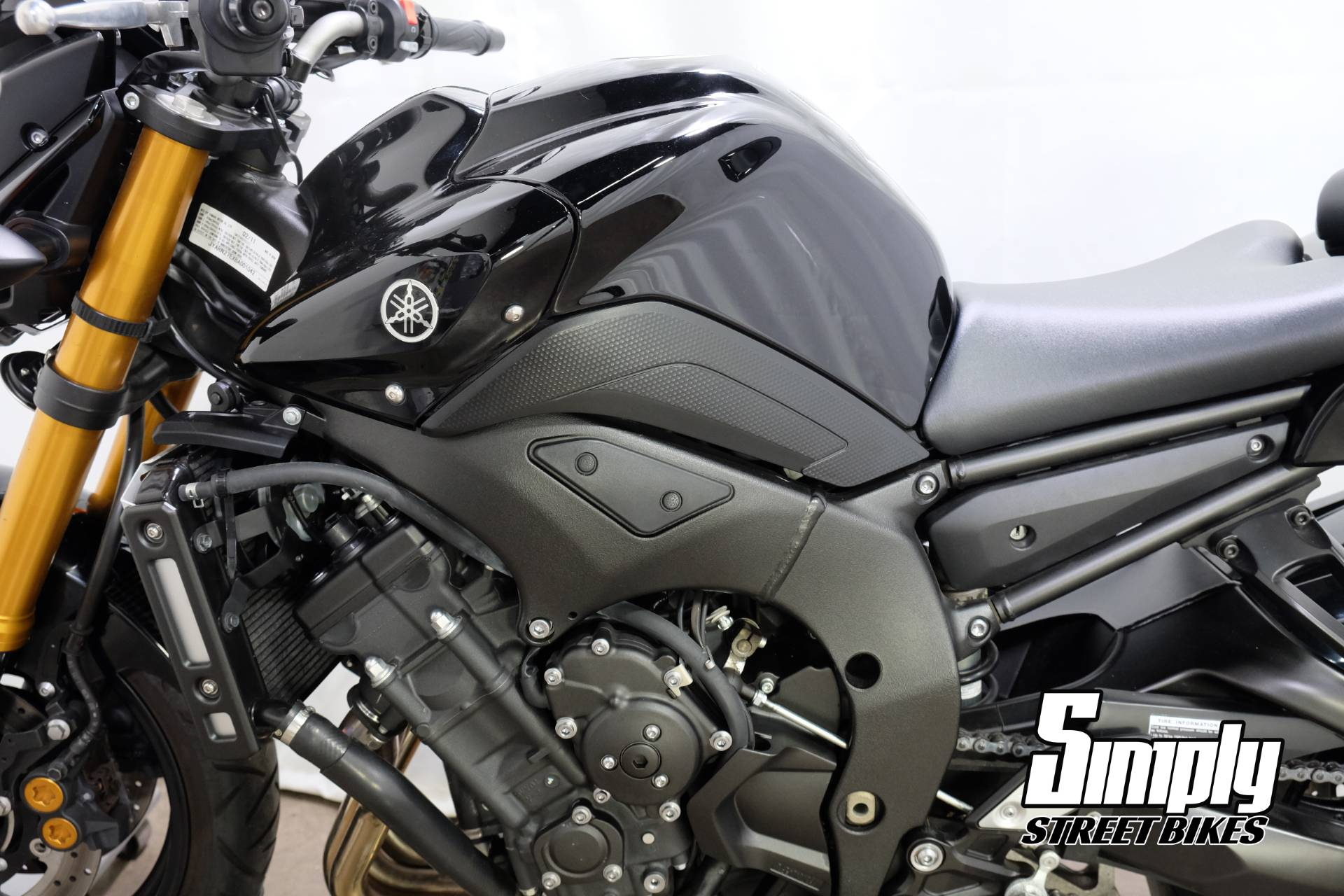 2011 Yamaha FZ8 in Eden Prairie, Minnesota - Photo 28