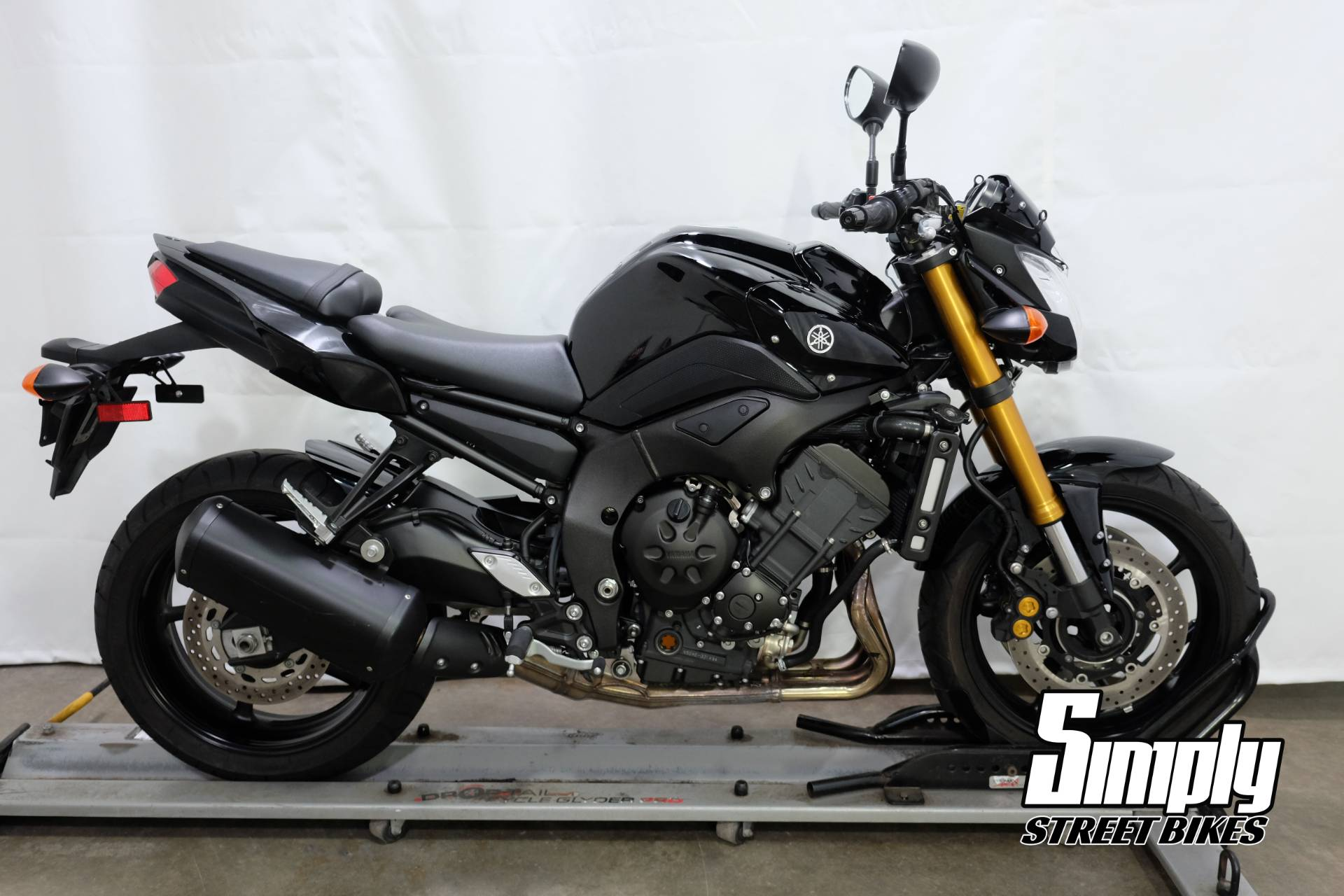 2011 Yamaha FZ8 in Eden Prairie, Minnesota - Photo 1
