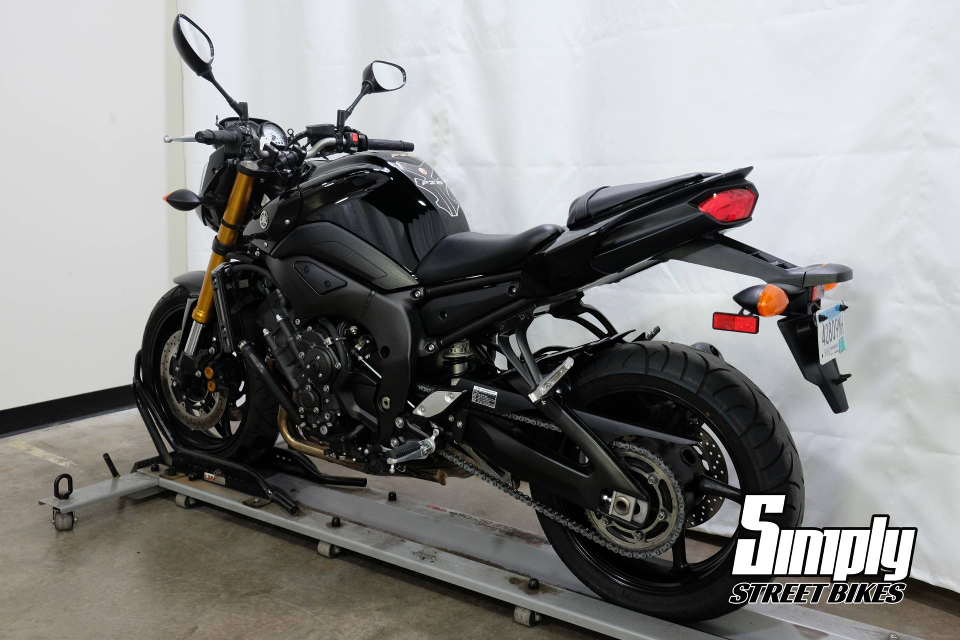2011 Yamaha FZ8 in Eden Prairie, Minnesota - Photo 6