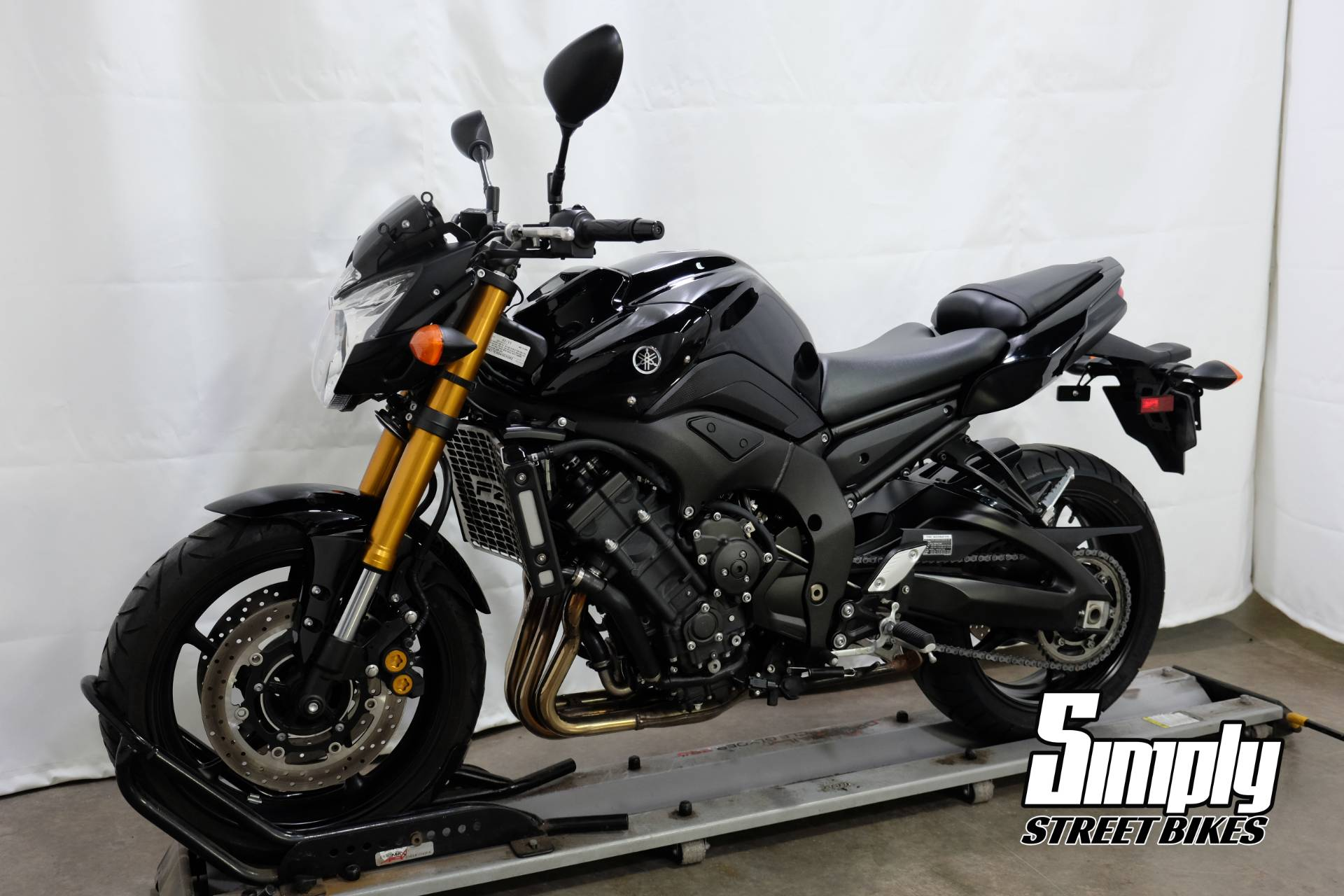 2011 Yamaha FZ8 in Eden Prairie, Minnesota - Photo 4