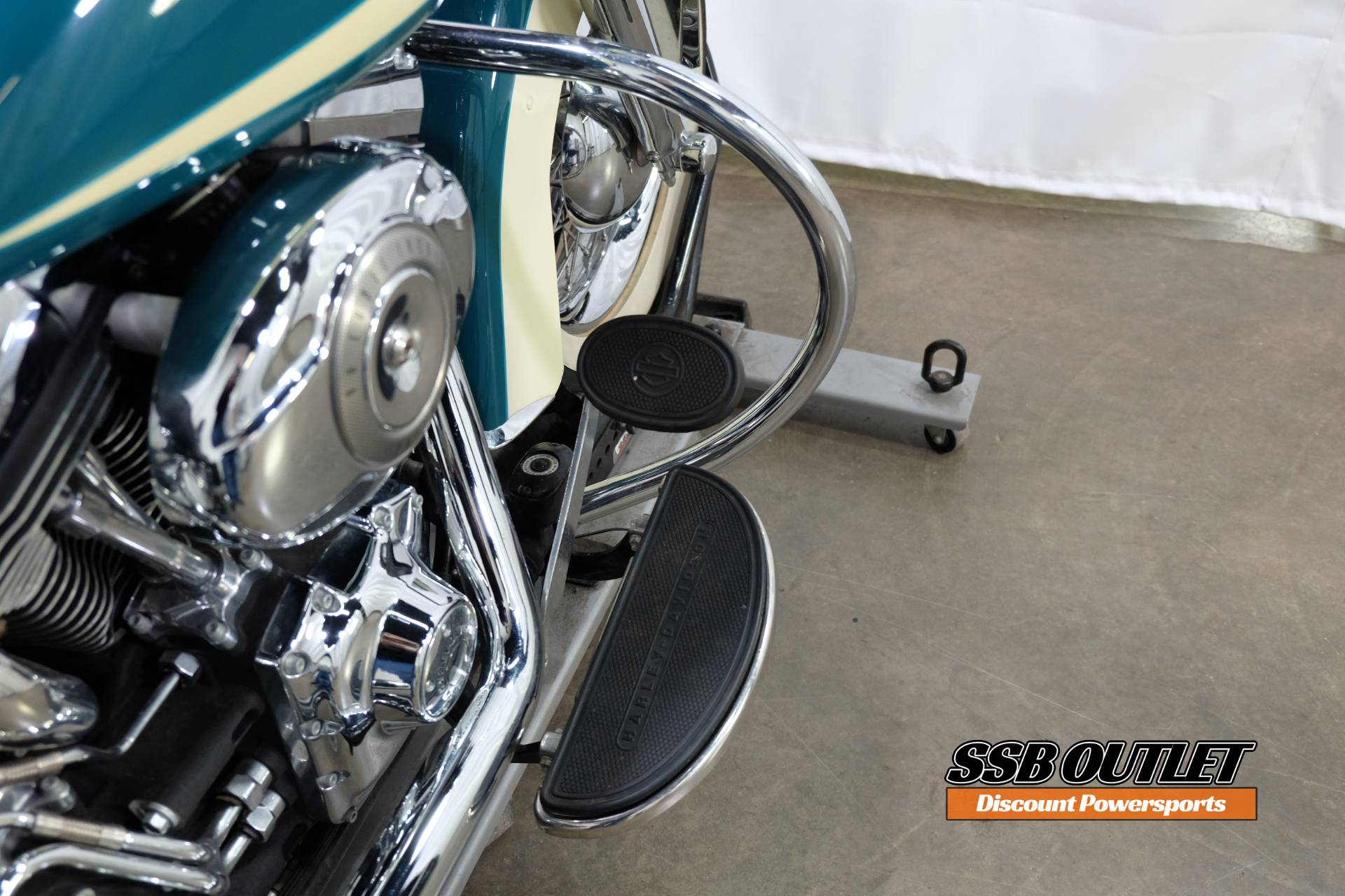 2009 Harley-Davidson Heritage Softail® Classic in Eden Prairie, Minnesota - Photo 11