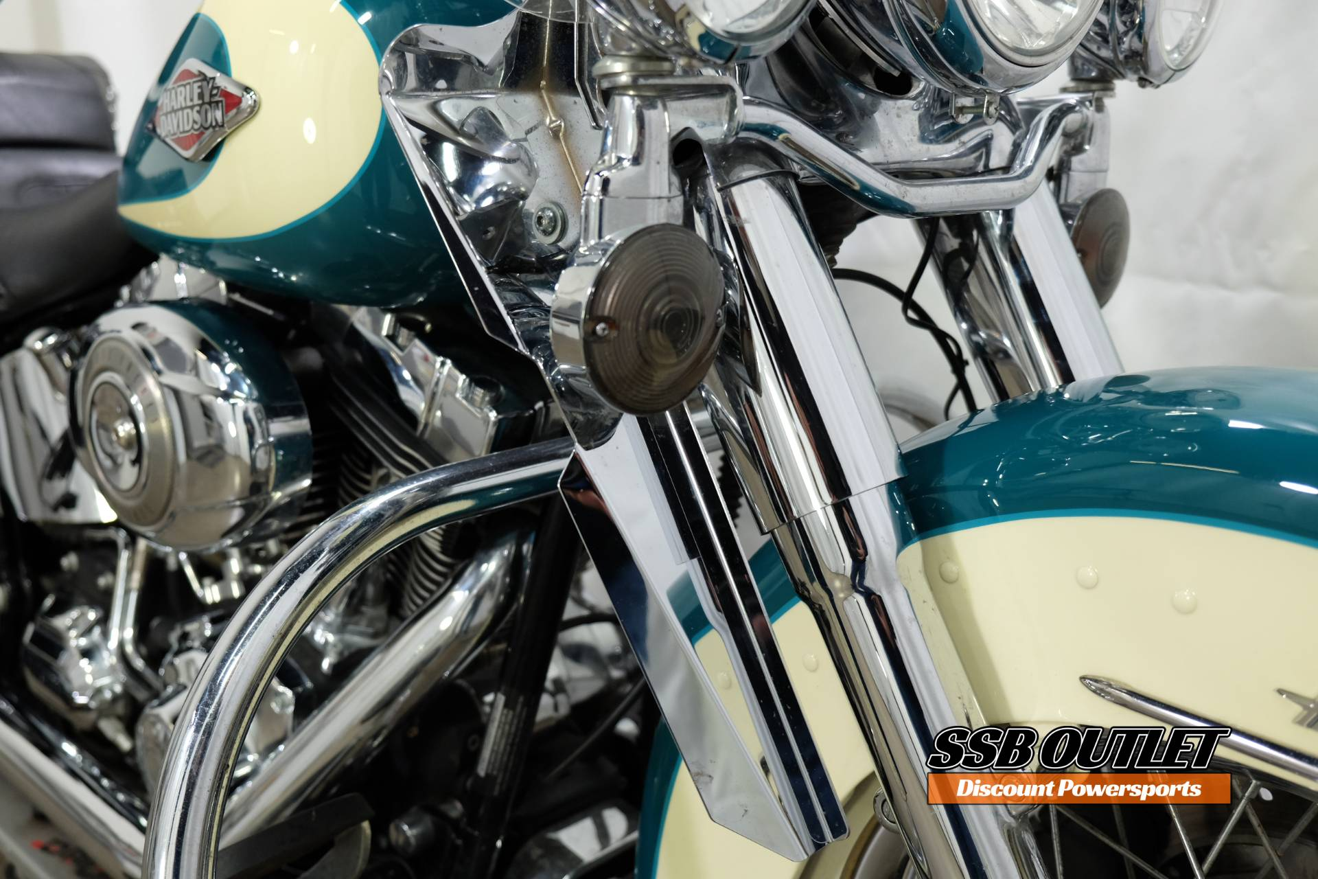2009 Harley-Davidson Heritage Softail® Classic in Eden Prairie, Minnesota - Photo 15