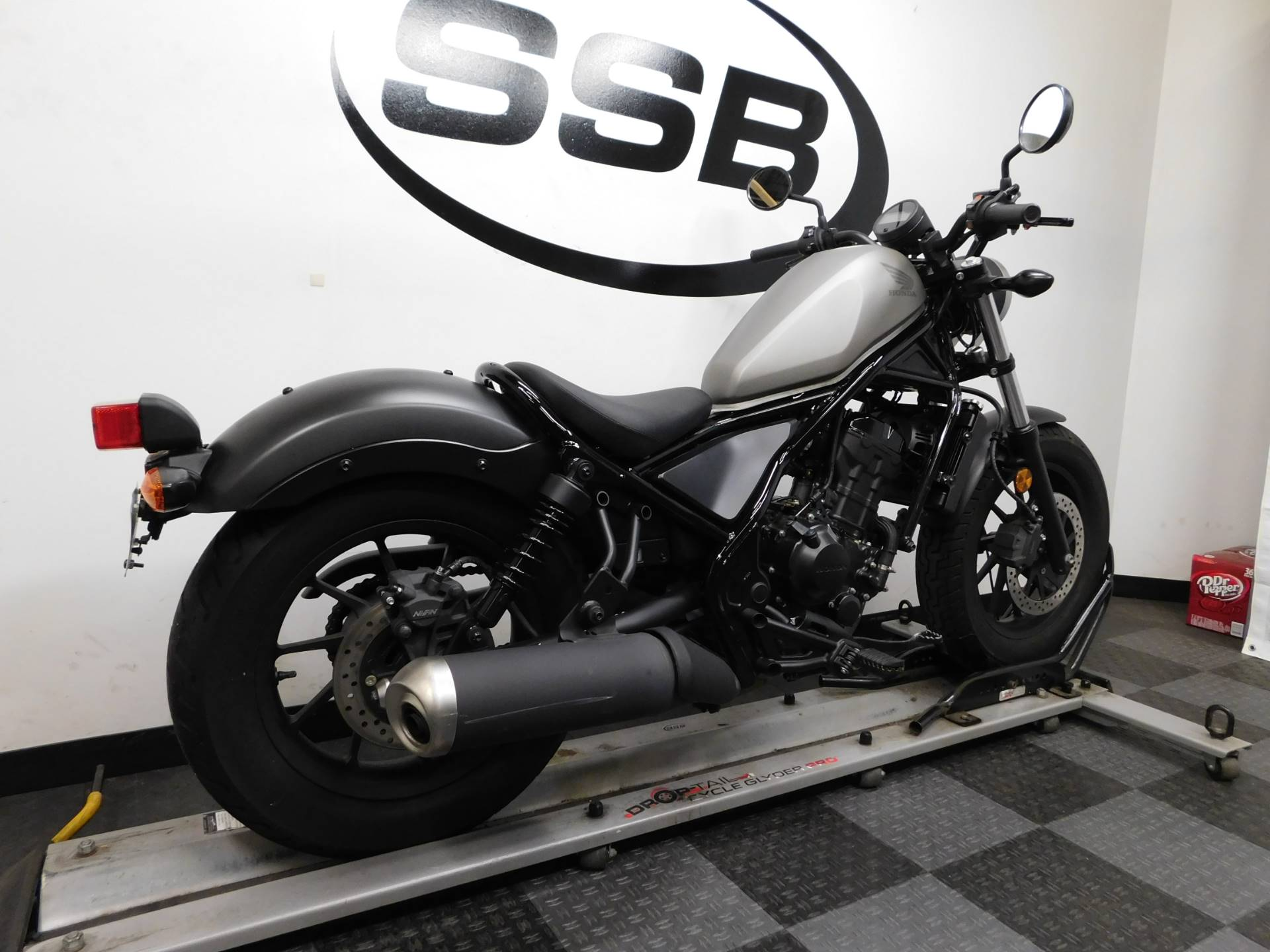 2017 Honda Rebel 300 8