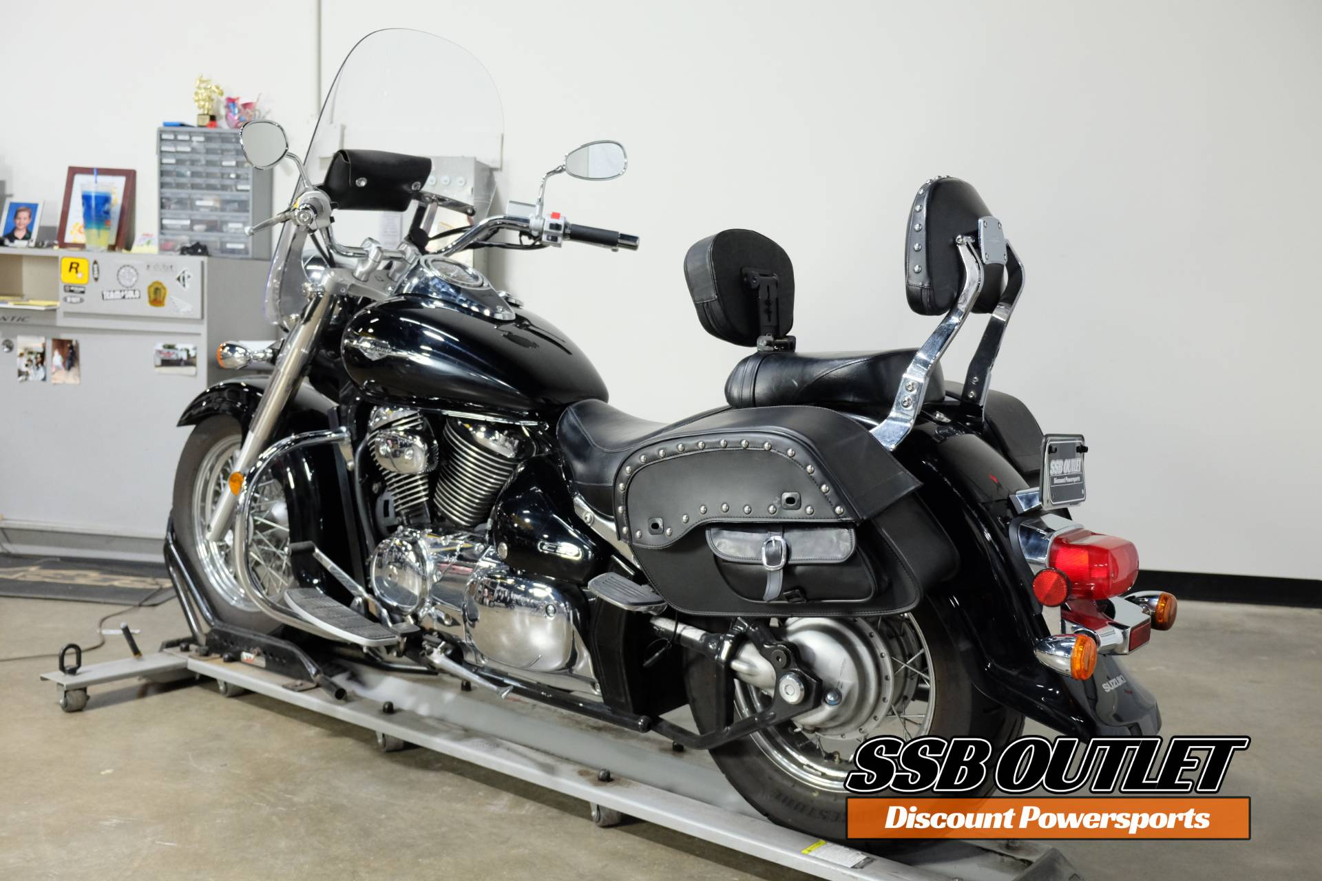 2005 Suzuki Boulevard C50 Black in Eden Prairie, Minnesota - Photo 5