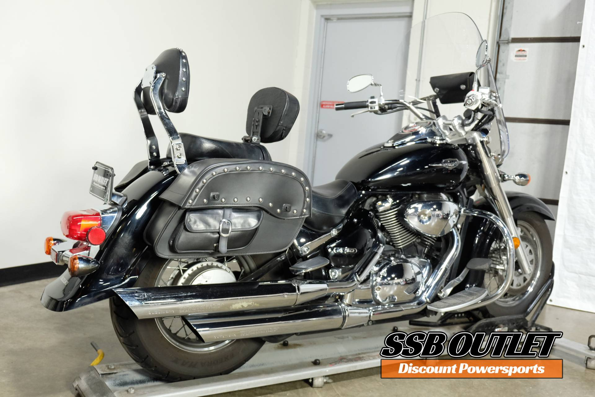 2005 Suzuki Boulevard C50 Black in Eden Prairie, Minnesota - Photo 6