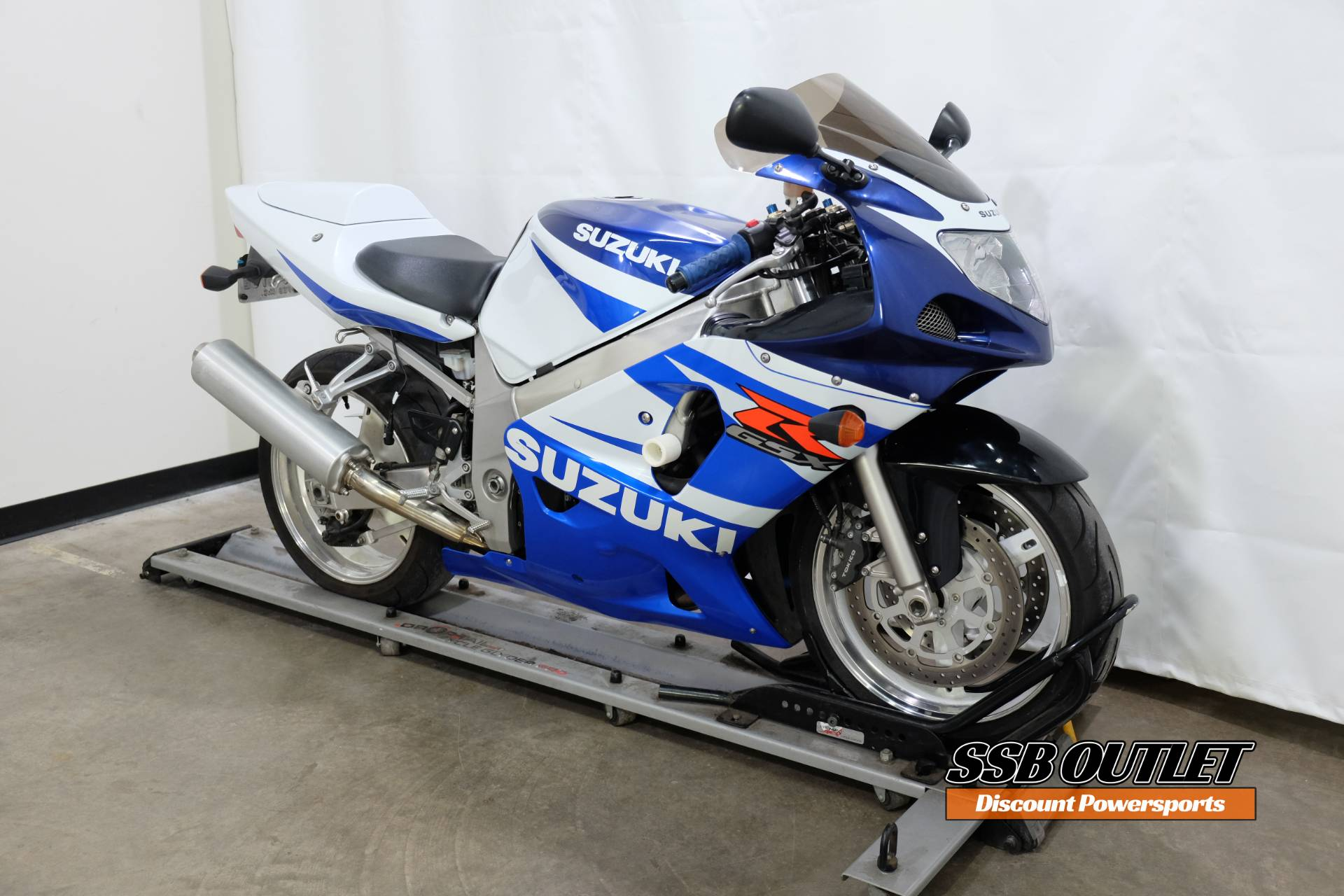 2002 Suzuki GSX-R600 in Eden Prairie, Minnesota - Photo 2