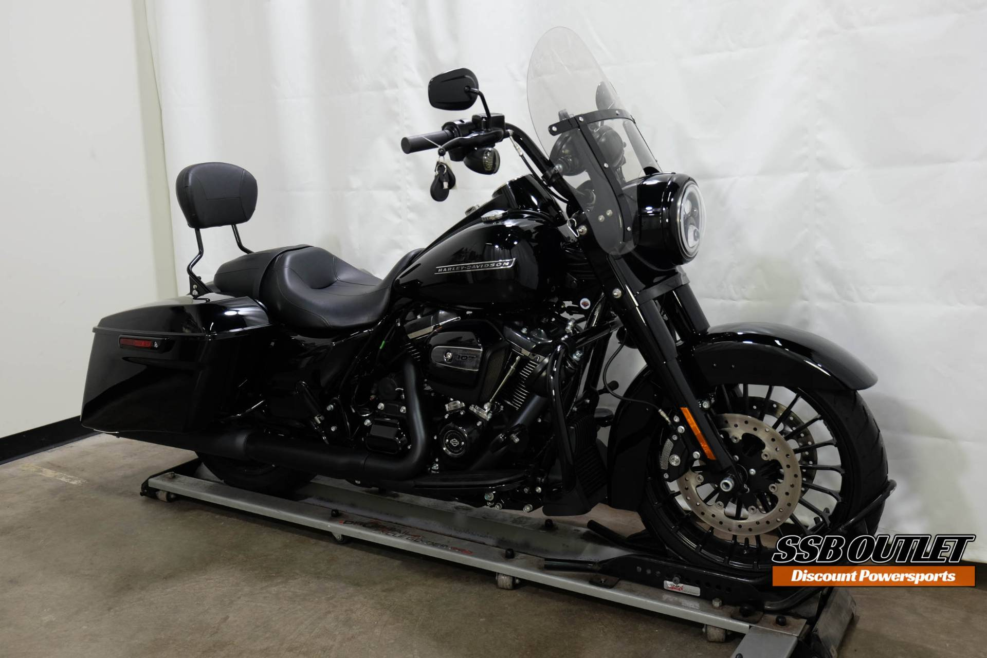 2018 Harley-Davidson Road King® Special in Eden Prairie, Minnesota - Photo 2