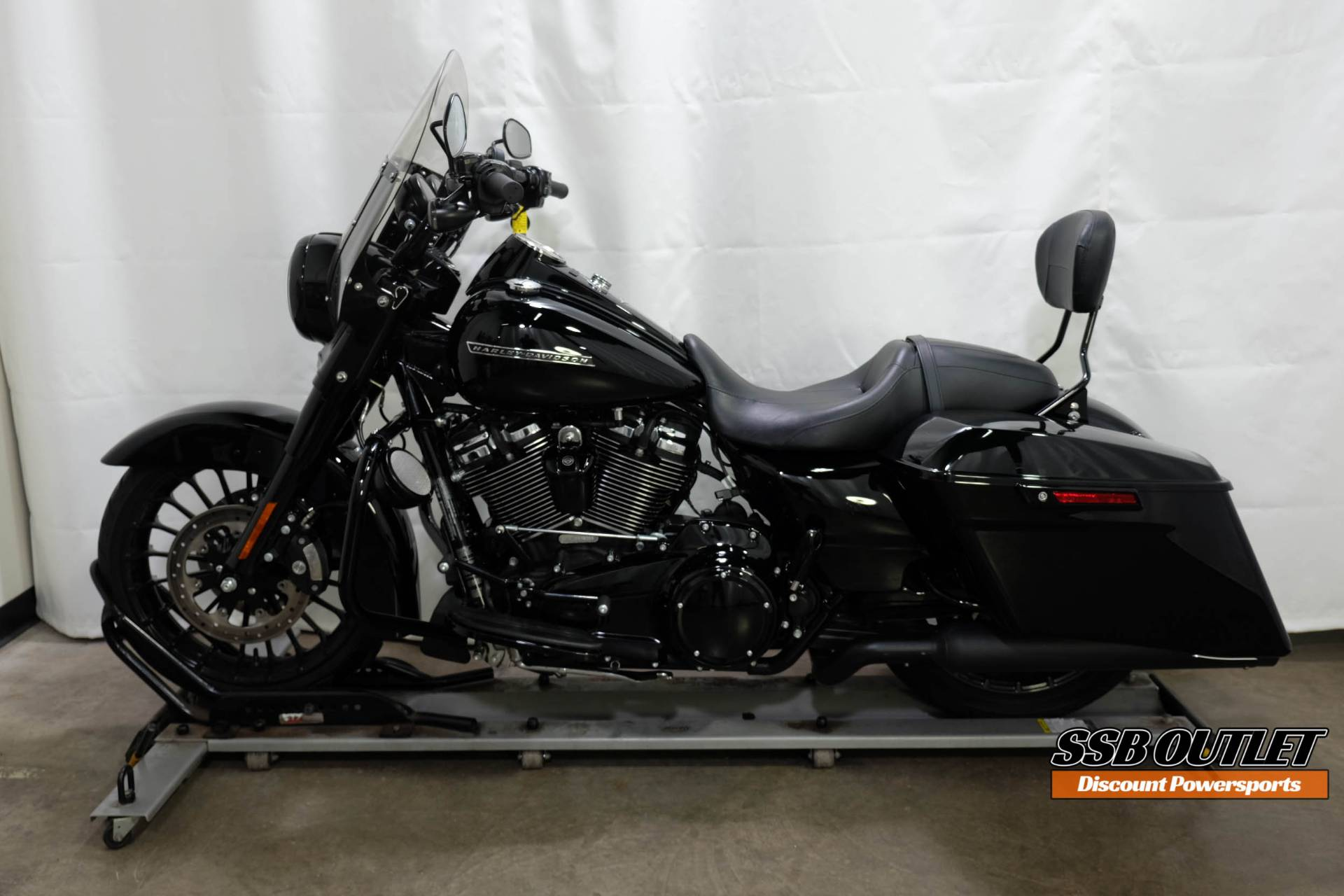 2018 Harley-Davidson Road King® Special in Eden Prairie, Minnesota - Photo 4
