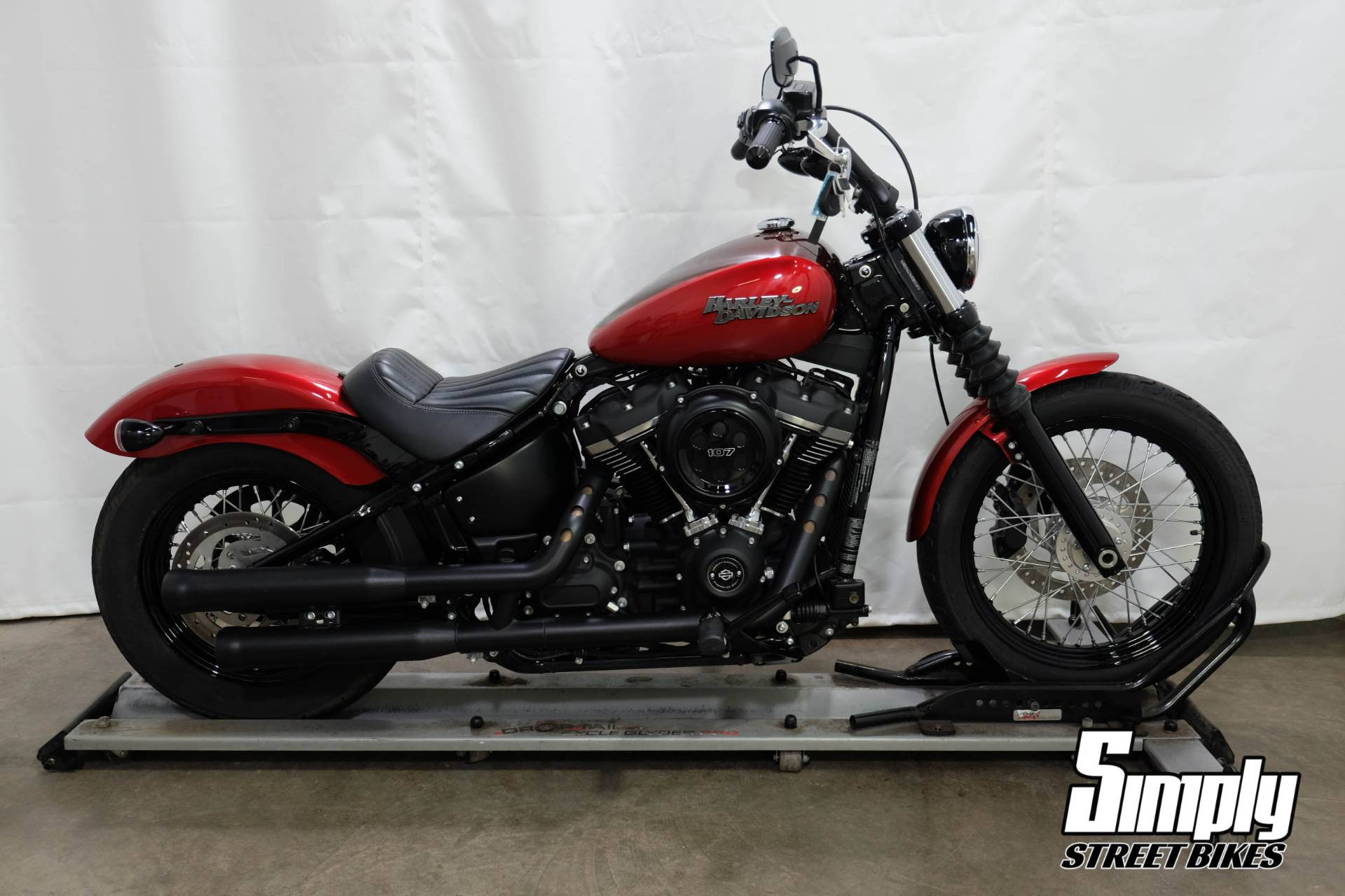 2018 Harley-Davidson Street Bob® 107 in Eden Prairie, Minnesota - Photo 1