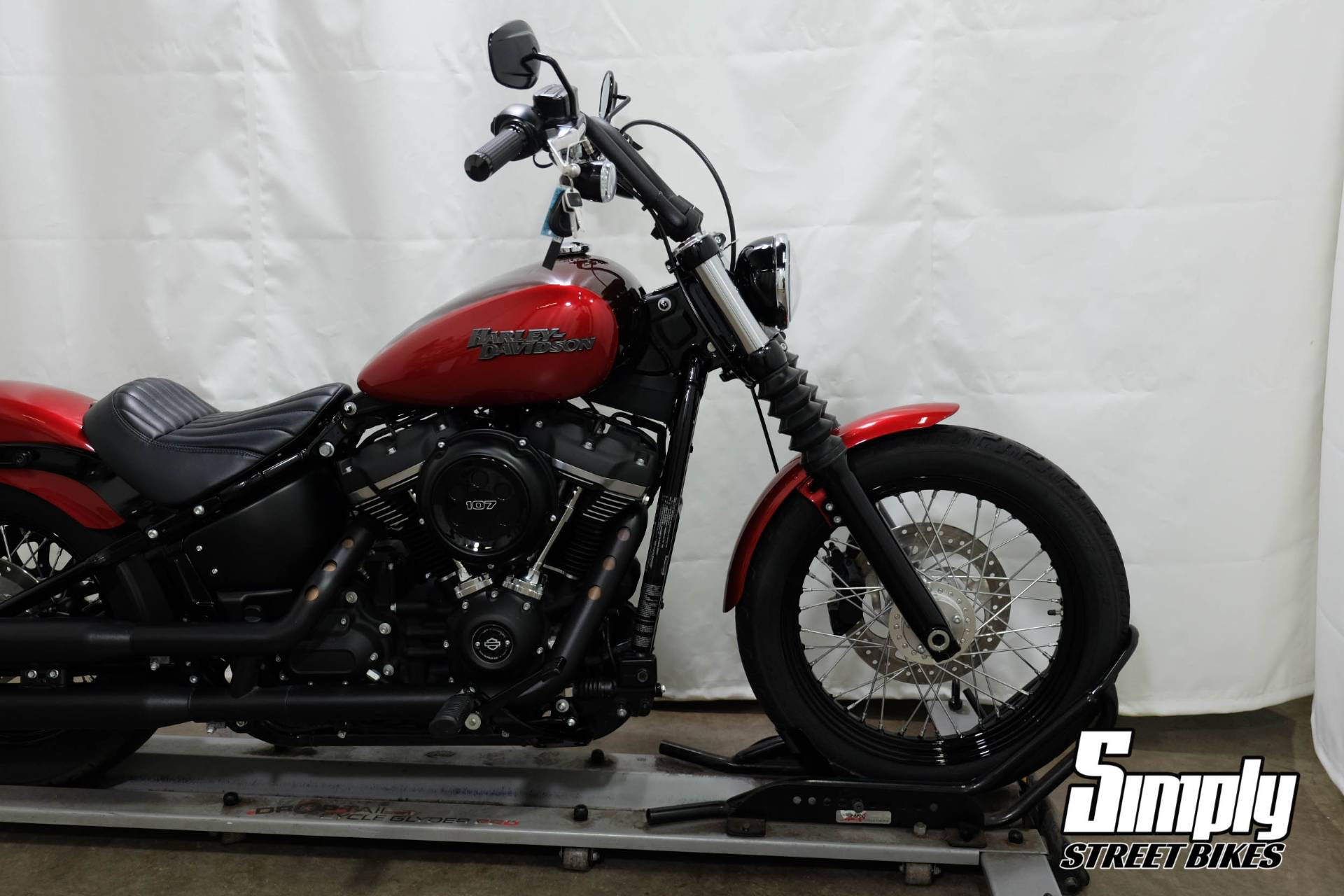 2018 Harley-Davidson Street Bob® 107 in Eden Prairie, Minnesota - Photo 31