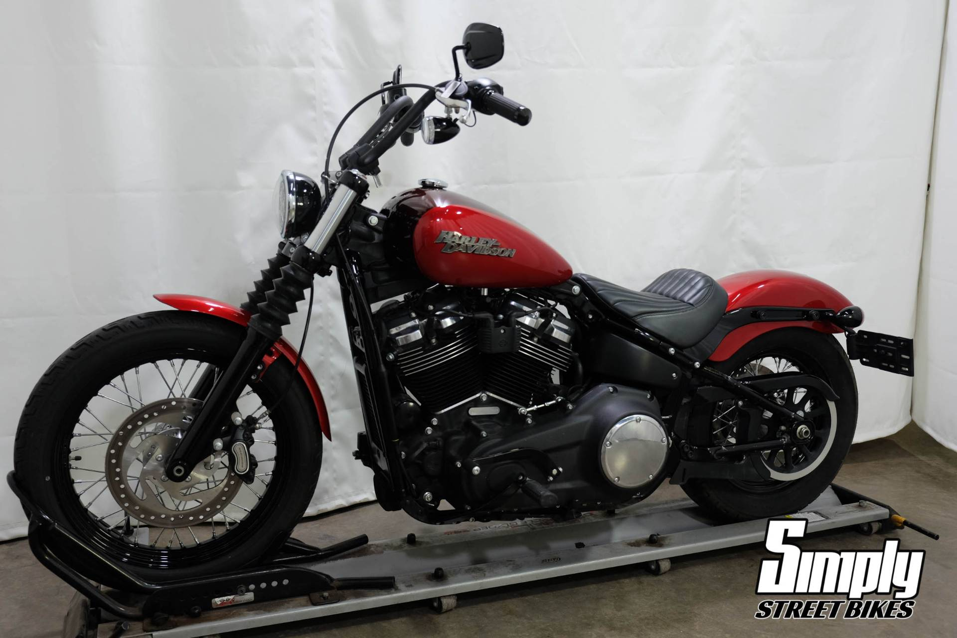 2018 Harley-Davidson Street Bob® 107 in Eden Prairie, Minnesota - Photo 4