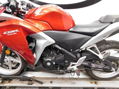 2011 Honda CBR®250R in Eden Prairie, Minnesota - Photo 10