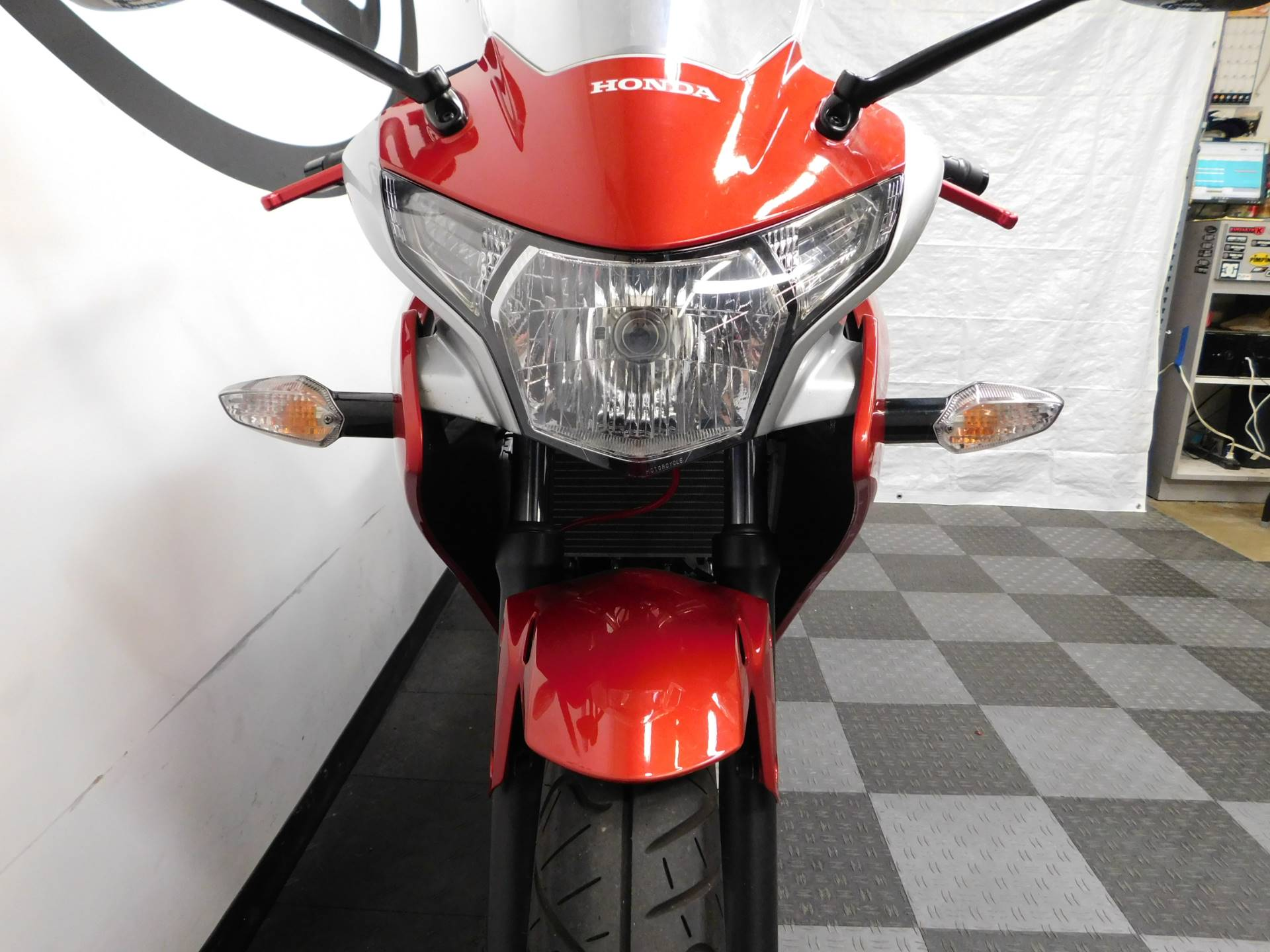 2011 Honda CBR®250R in Eden Prairie, Minnesota - Photo 23