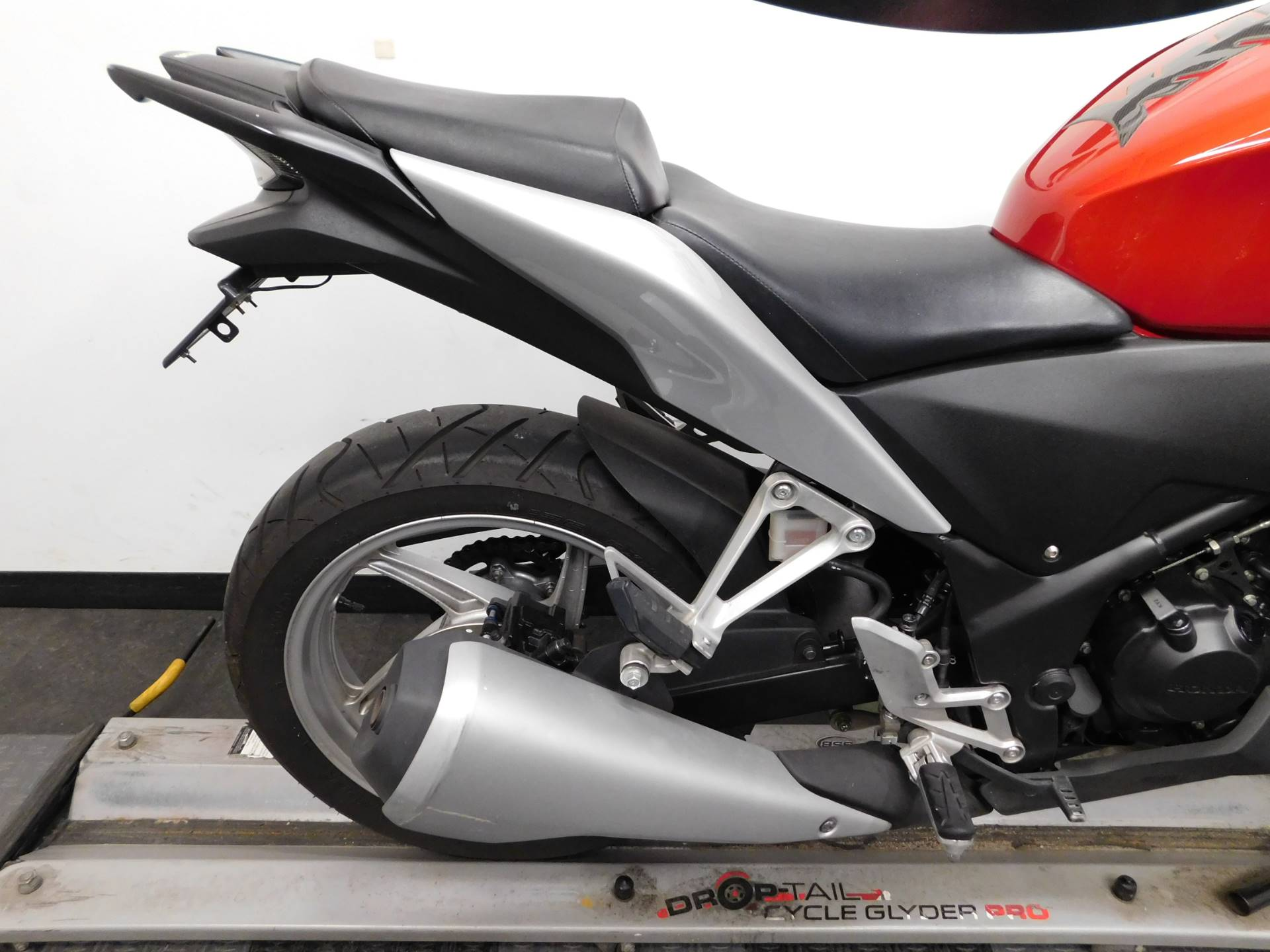 2011 Honda CBR®250R in Eden Prairie, Minnesota - Photo 32