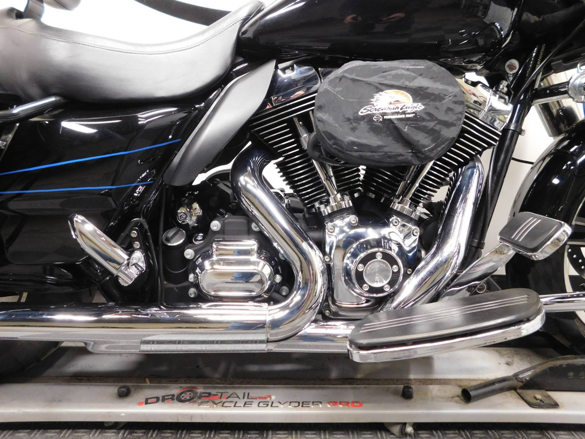 2015 Harley-Davidson Road Glide® in Eden Prairie, Minnesota - Photo 15