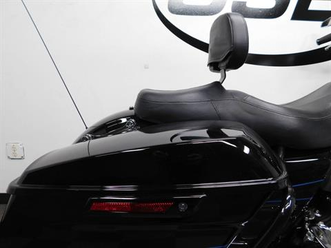 2015 Harley-Davidson Road Glide® in Eden Prairie, Minnesota - Photo 17