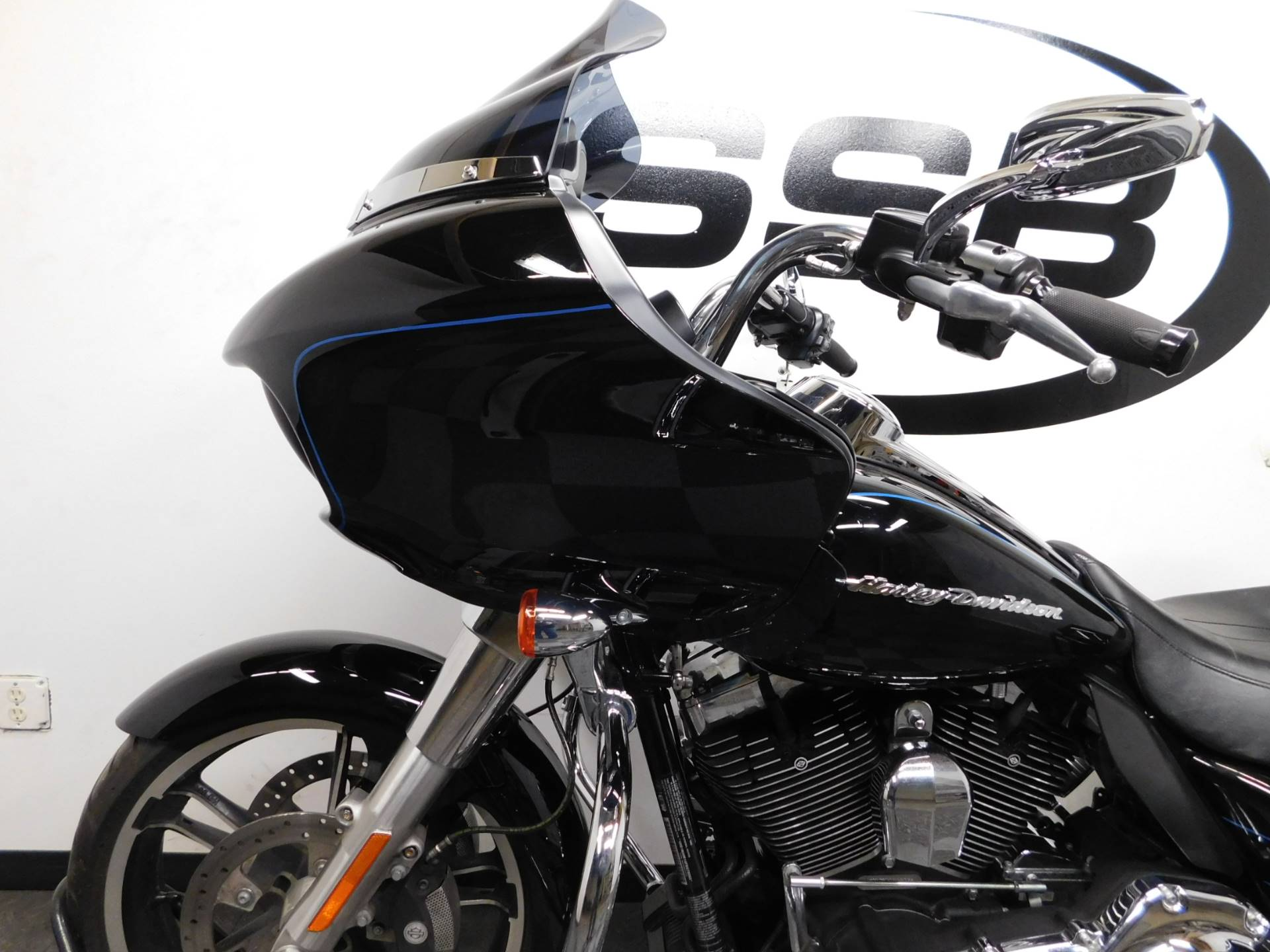 2015 Harley-Davidson Road Glide® in Eden Prairie, Minnesota - Photo 28