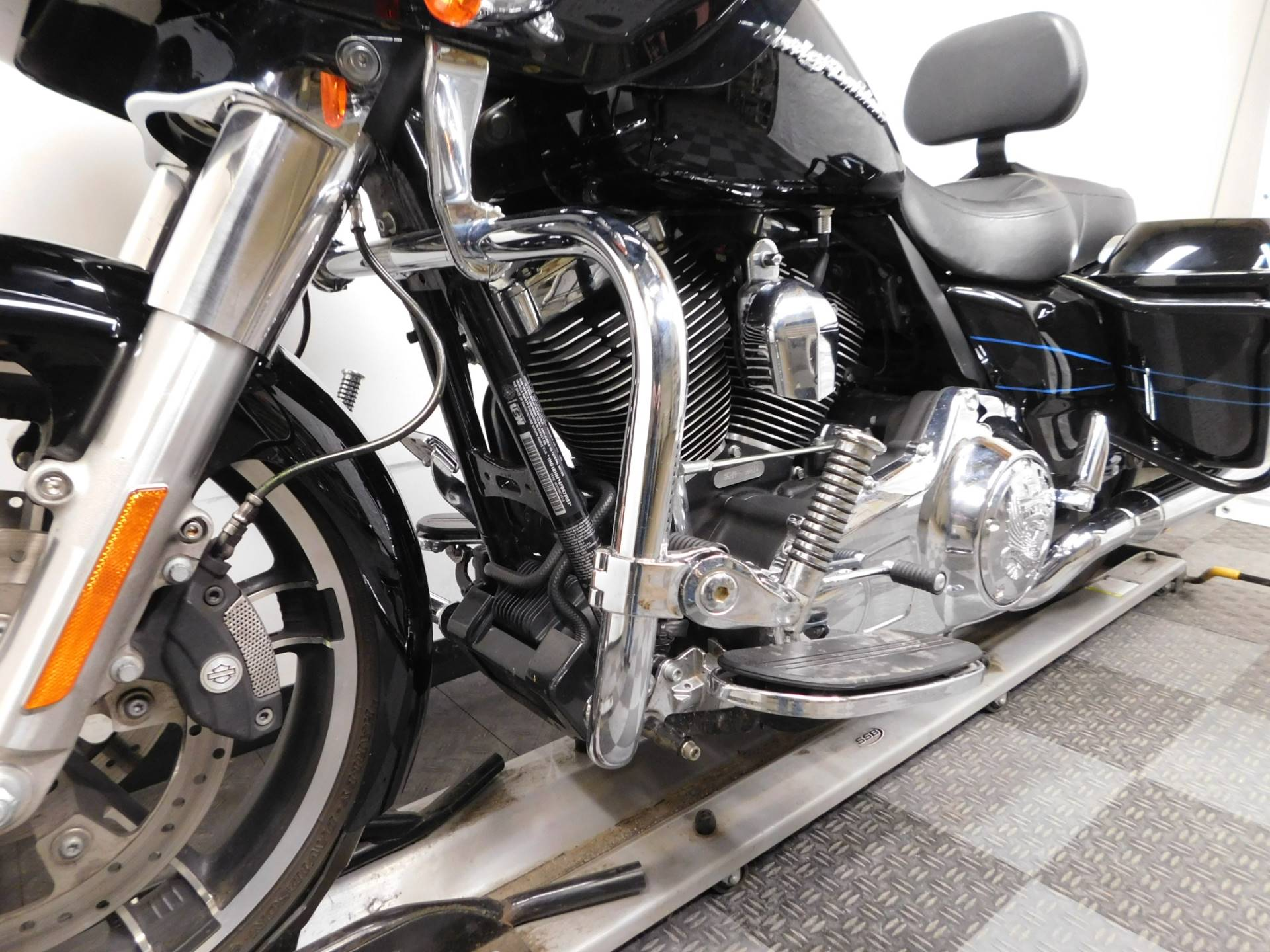 2015 Harley-Davidson Road Glide® in Eden Prairie, Minnesota - Photo 32