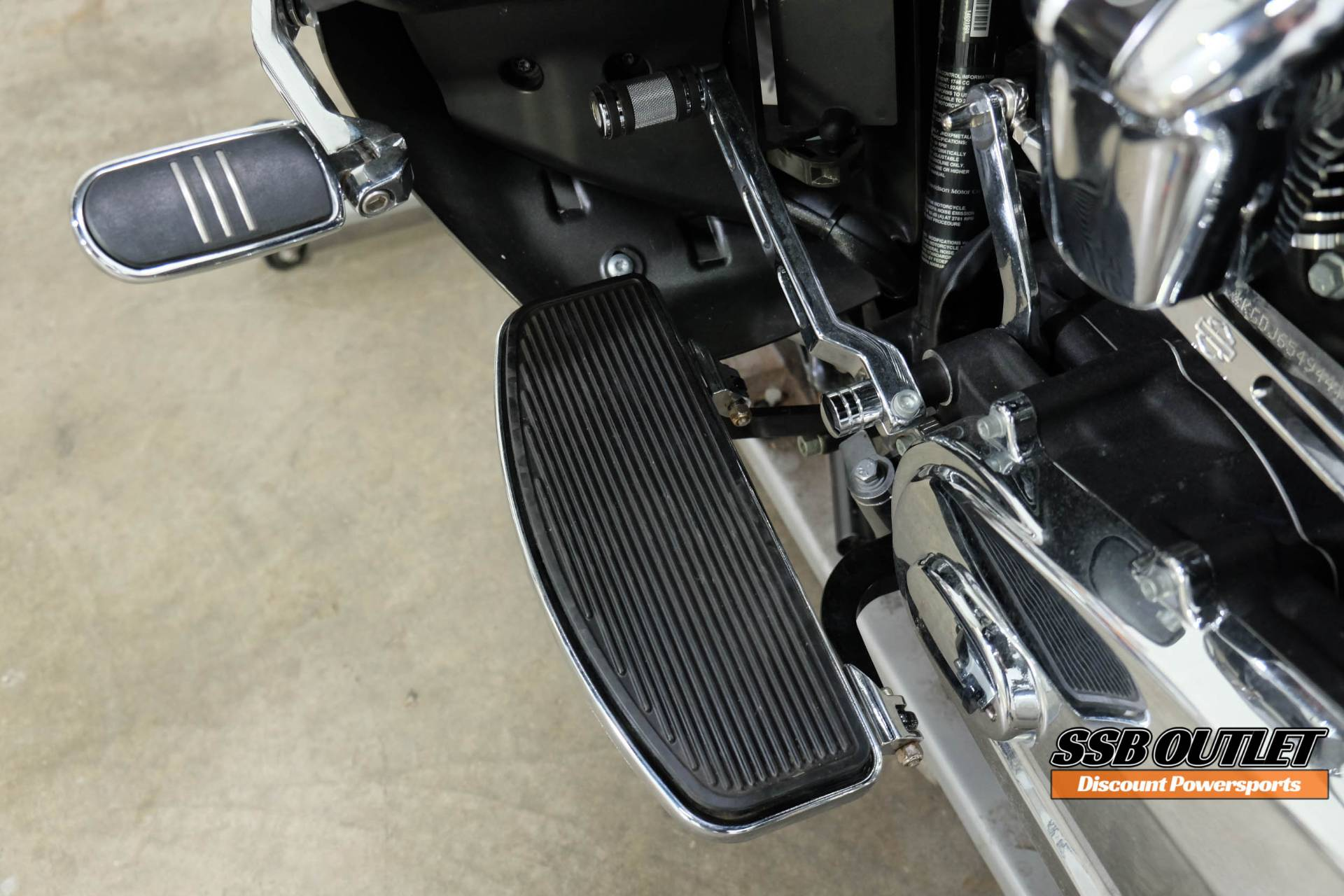 2018 Harley-Davidson Road Glide® Ultra in Eden Prairie, Minnesota - Photo 9
