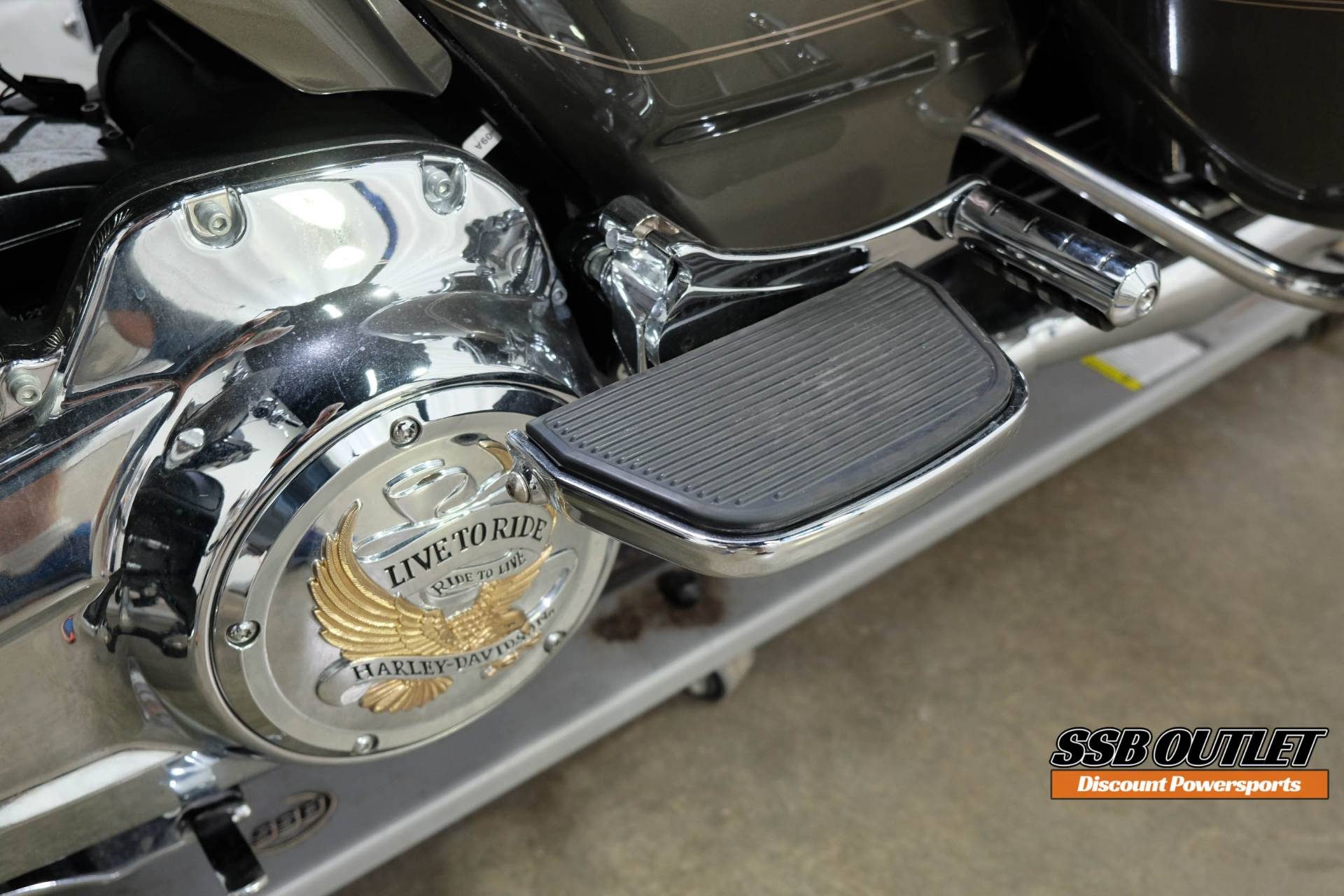 2018 Harley-Davidson Road Glide® Ultra in Eden Prairie, Minnesota - Photo 15