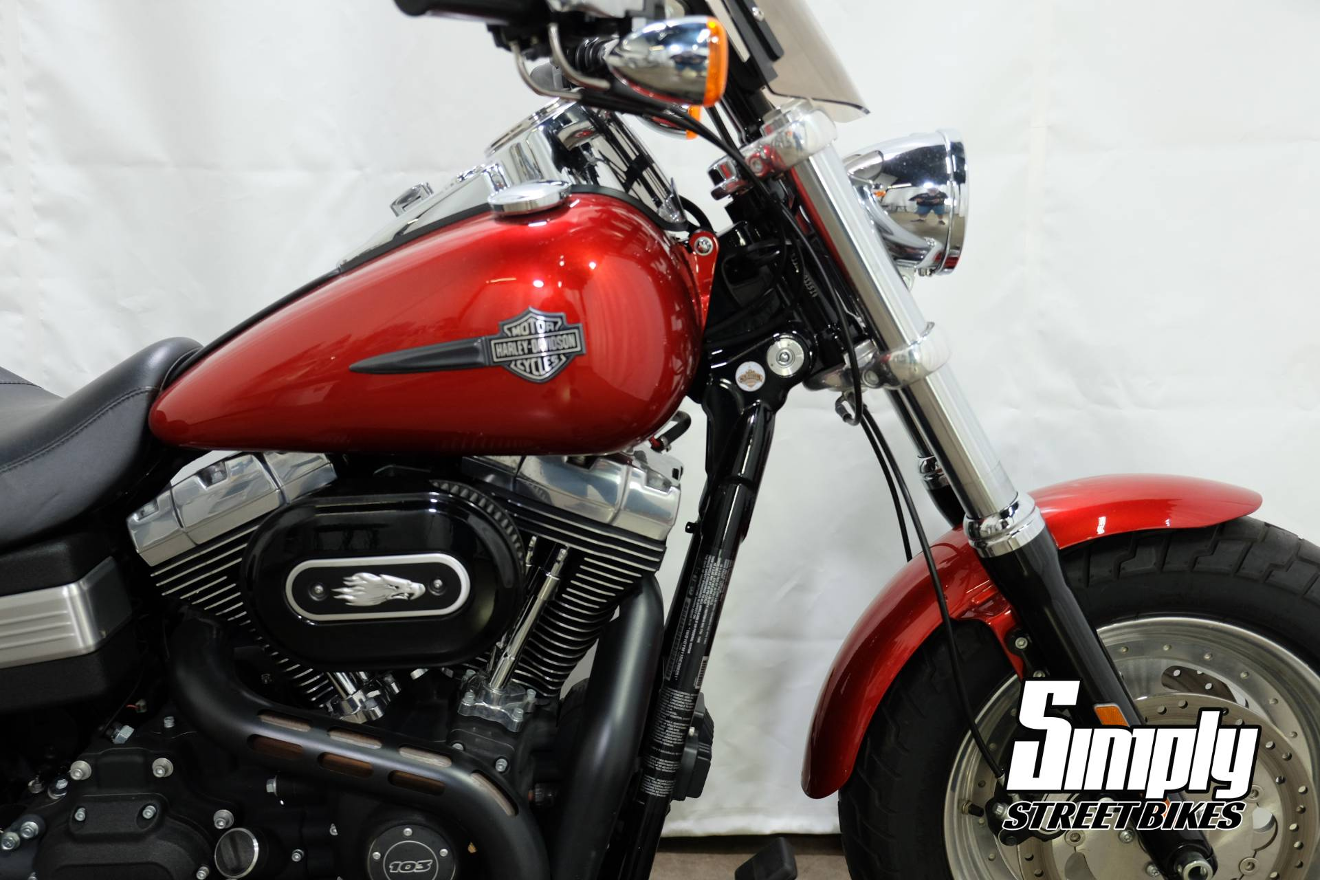 2013 Harley-Davidson Dyna® Fat Bob® in Eden Prairie, Minnesota - Photo 12