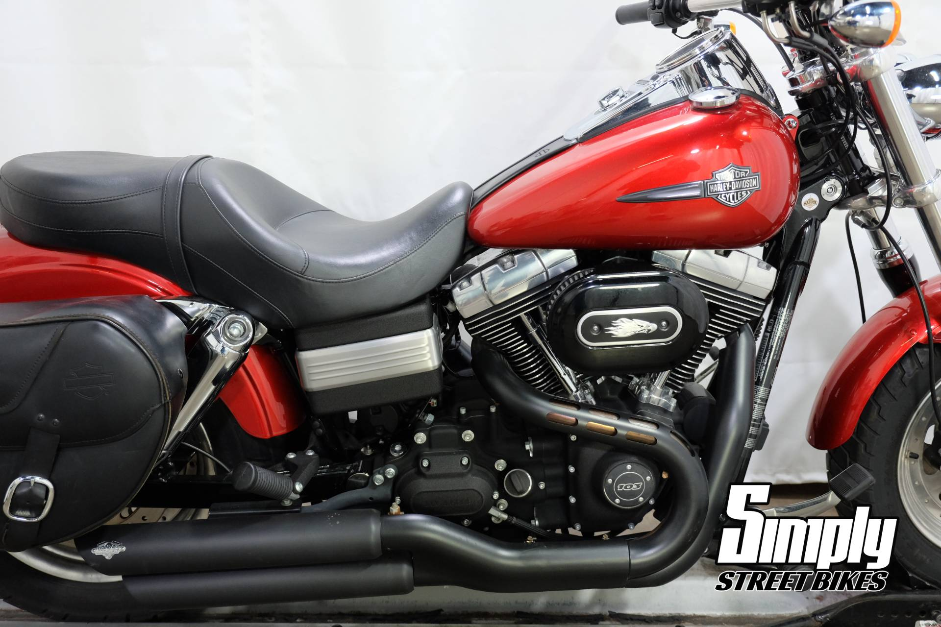 2013 Harley-Davidson Dyna® Fat Bob® in Eden Prairie, Minnesota - Photo 16