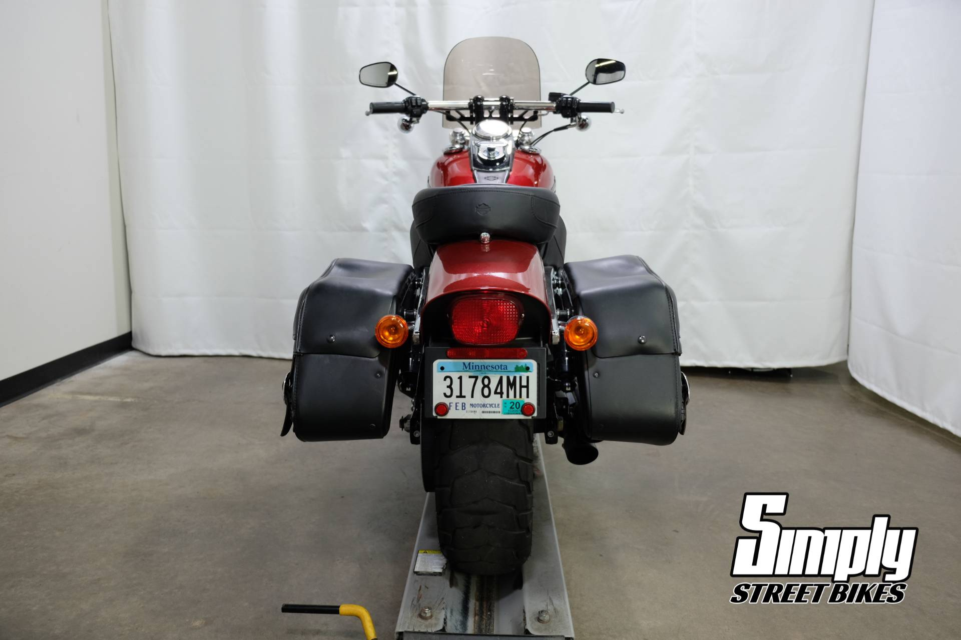2013 Harley-Davidson Dyna® Fat Bob® in Eden Prairie, Minnesota - Photo 21