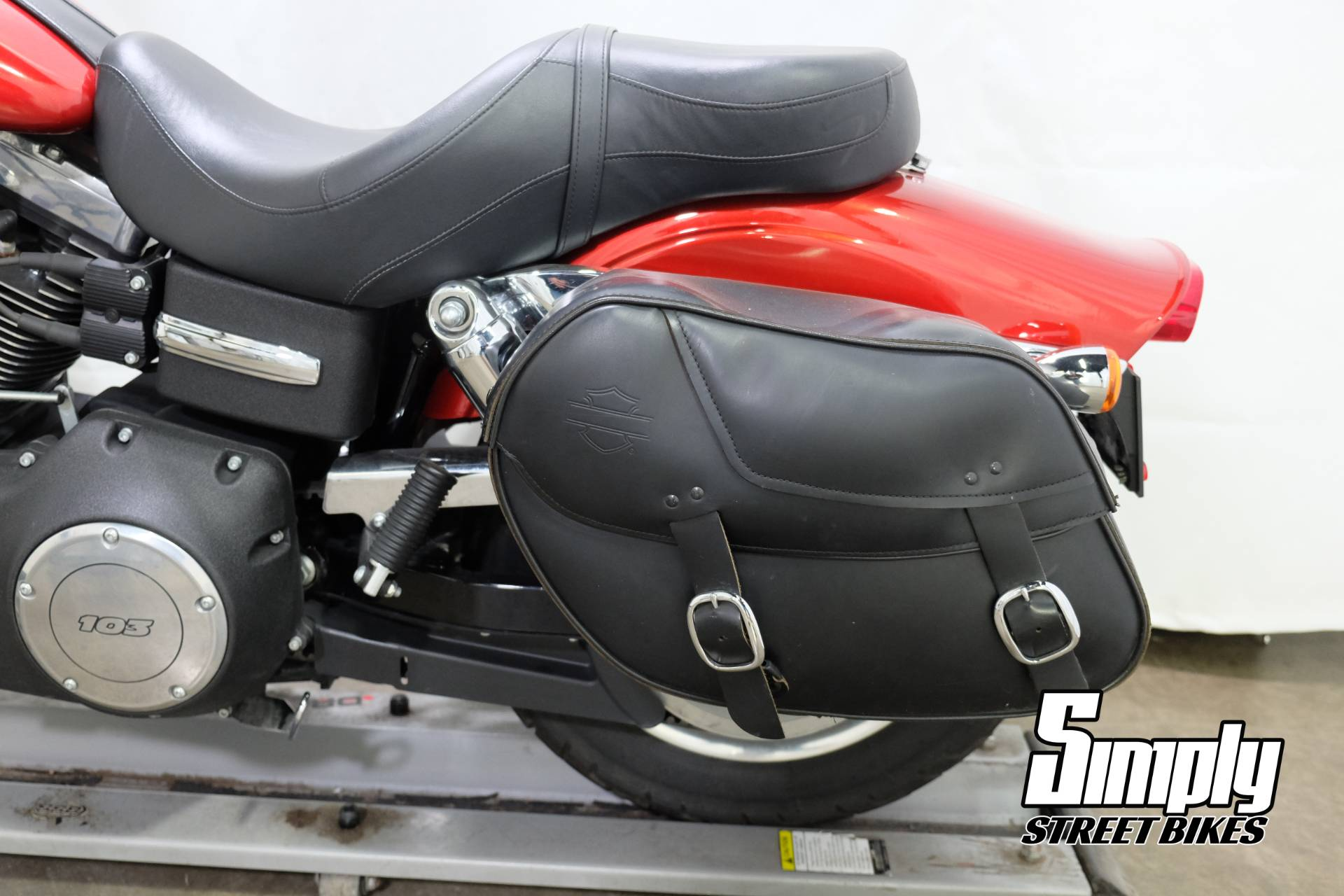 2013 Harley-Davidson Dyna® Fat Bob® in Eden Prairie, Minnesota - Photo 27