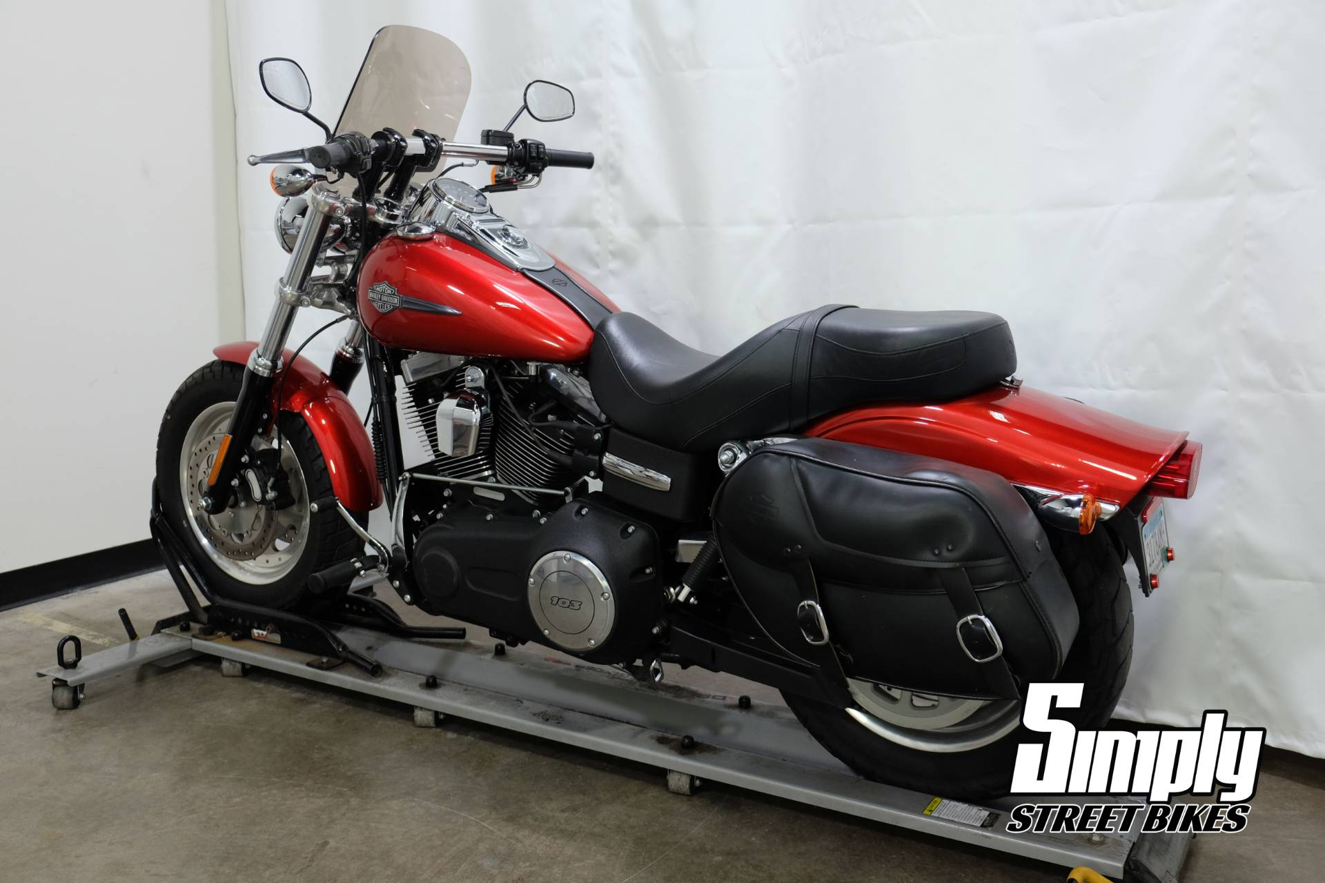 2013 Harley-Davidson Dyna® Fat Bob® in Eden Prairie, Minnesota - Photo 6