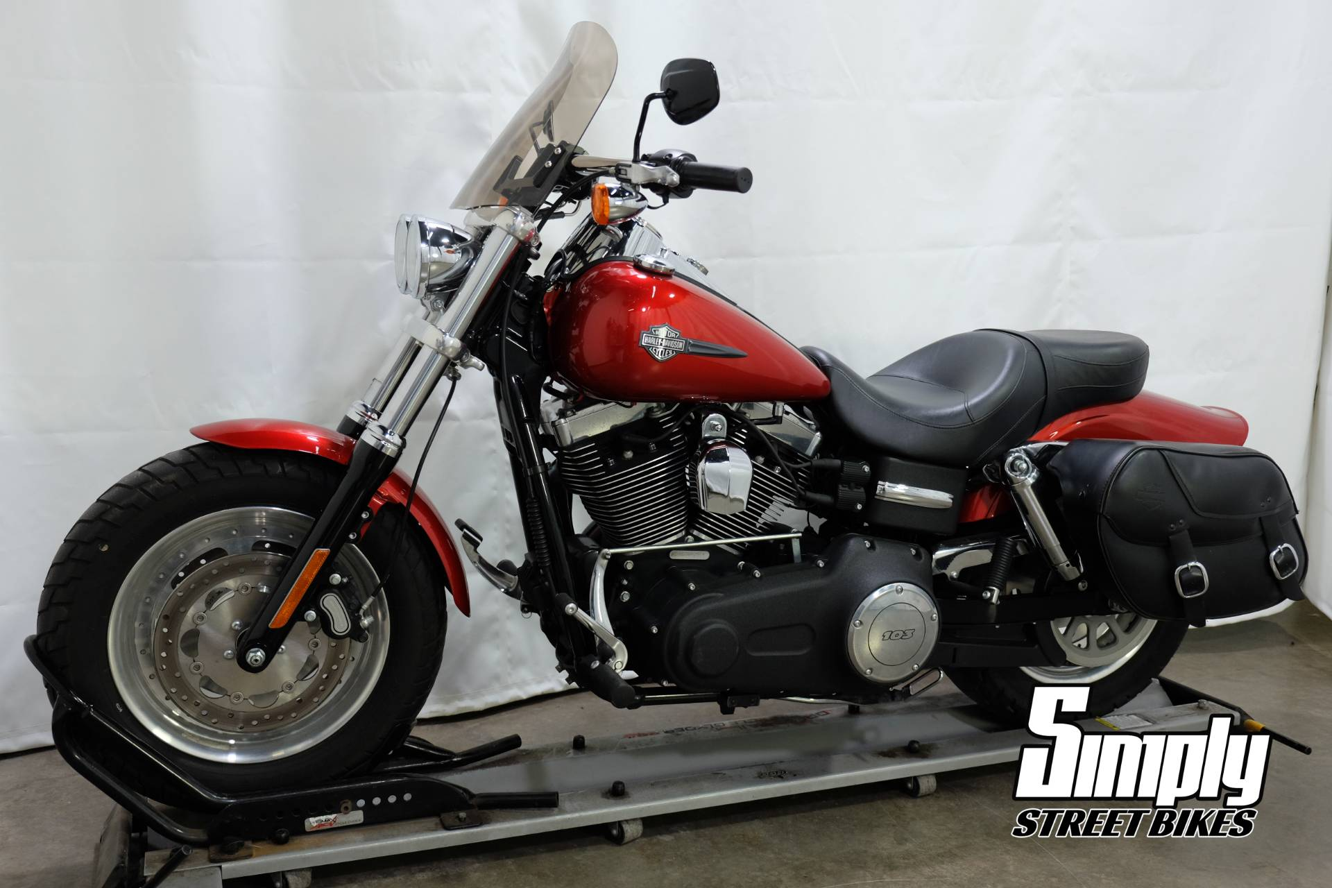 2013 Harley-Davidson Dyna® Fat Bob® in Eden Prairie, Minnesota - Photo 4