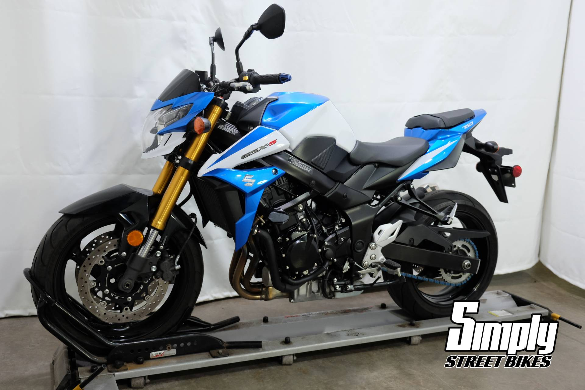 2015 Suzuki GSX-S750Z in Eden Prairie, Minnesota - Photo 4