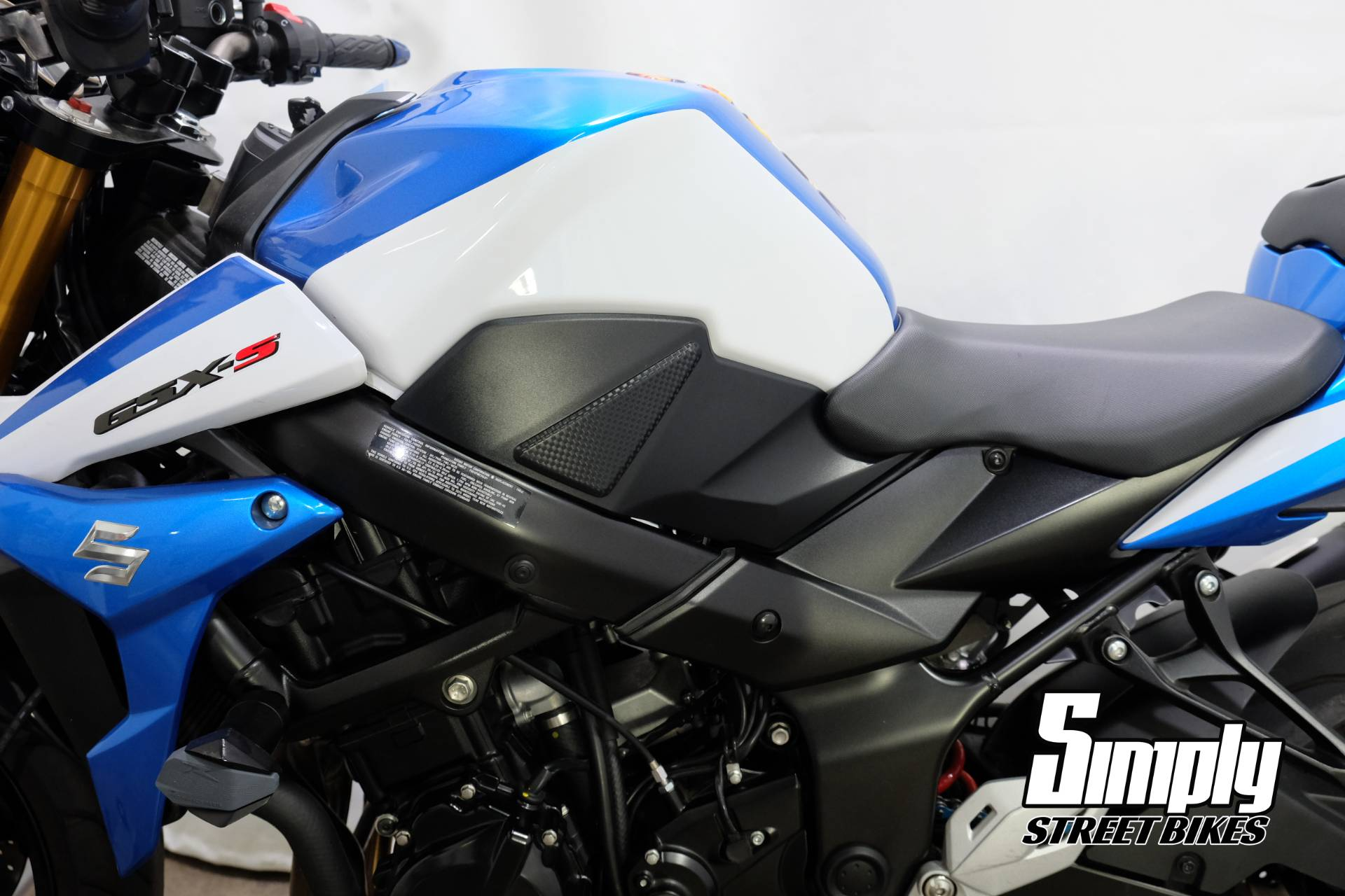 2015 Suzuki GSX-S750Z in Eden Prairie, Minnesota - Photo 41