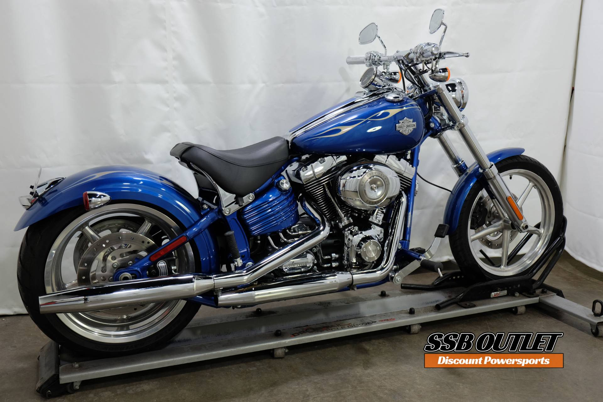 2009 Harley-Davidson Softail® Rocker™ C in Eden Prairie, Minnesota - Photo 6