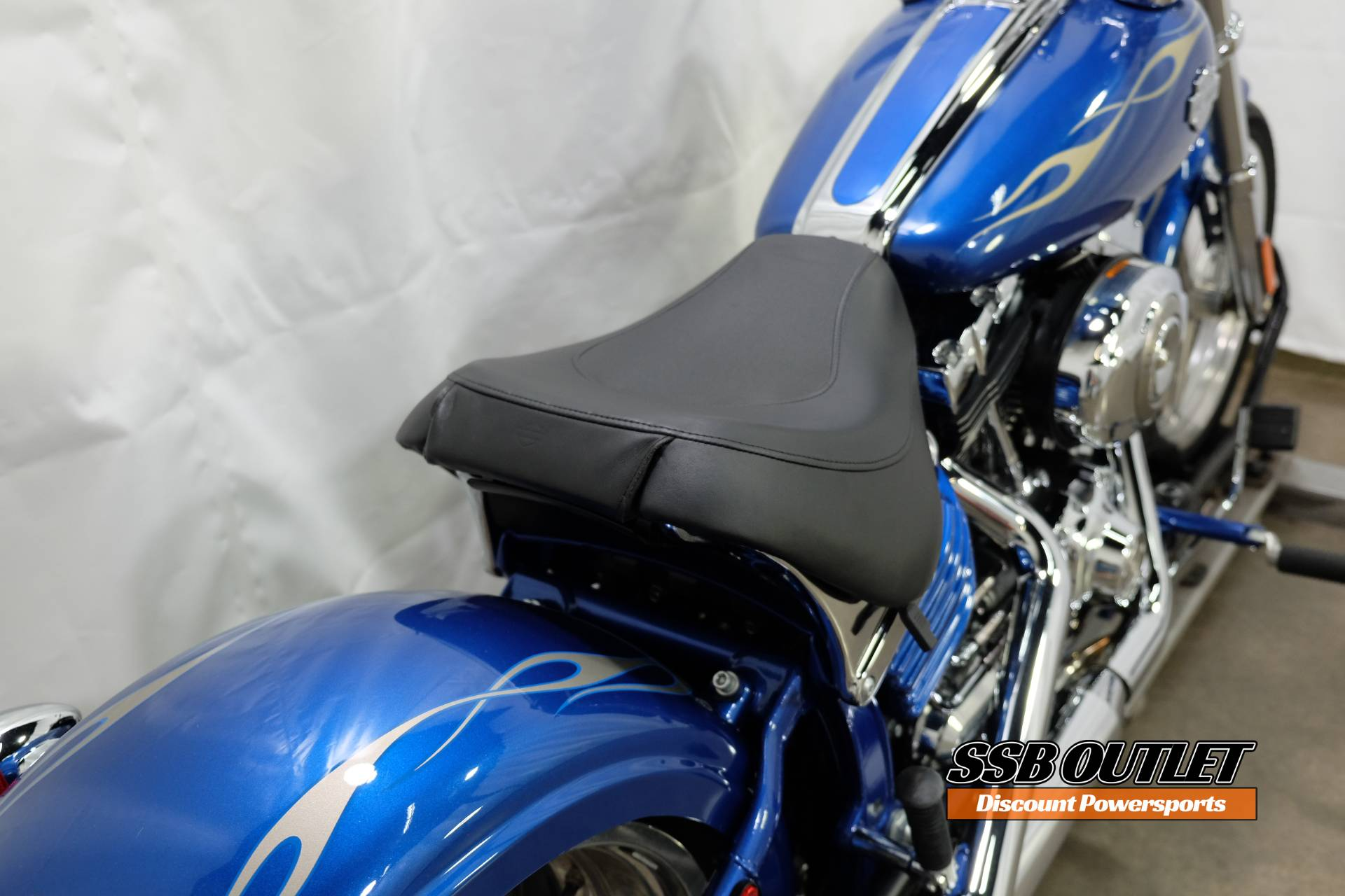 2009 Harley-Davidson Softail® Rocker™ C in Eden Prairie, Minnesota - Photo 7