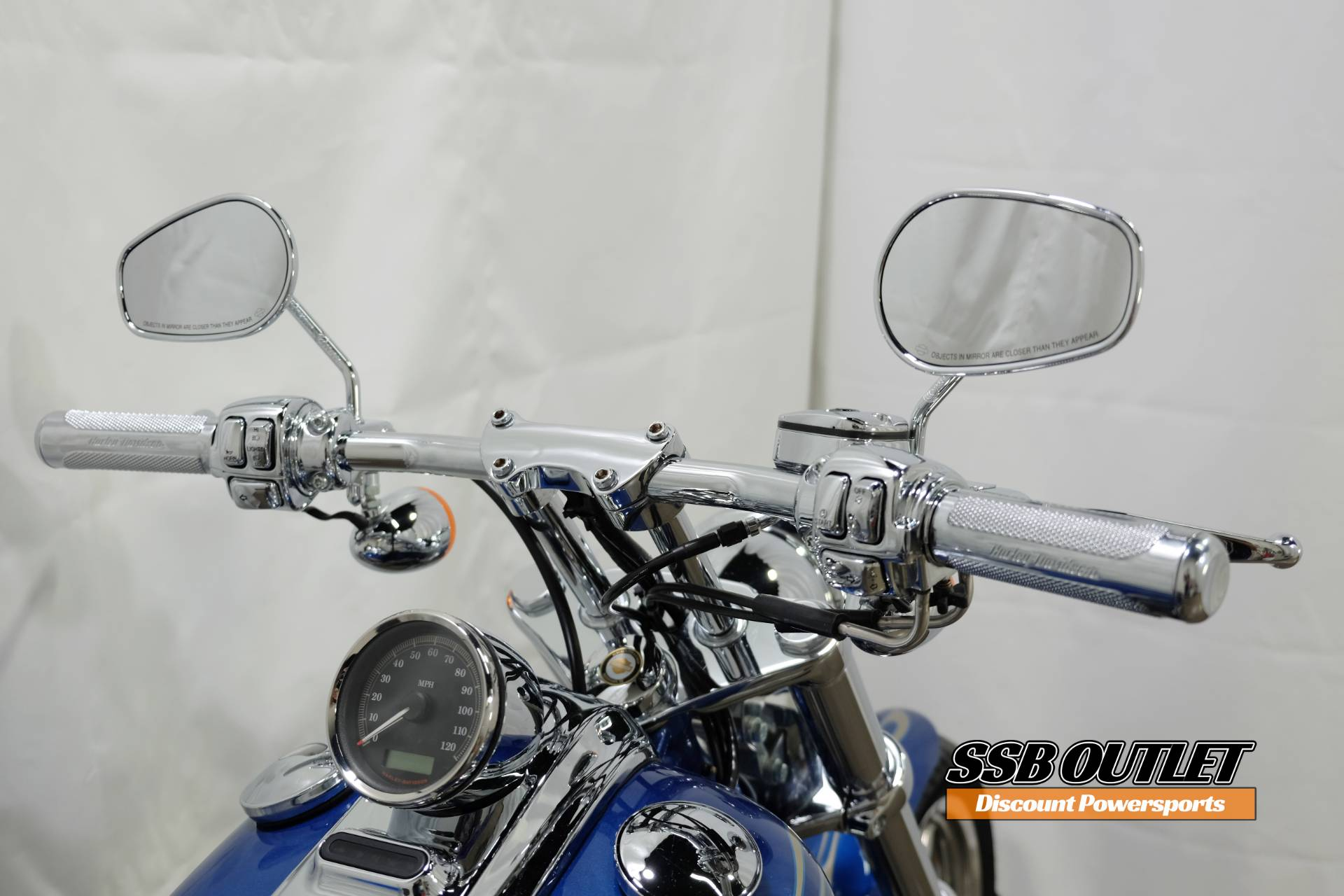 2009 Harley-Davidson Softail® Rocker™ C in Eden Prairie, Minnesota - Photo 8