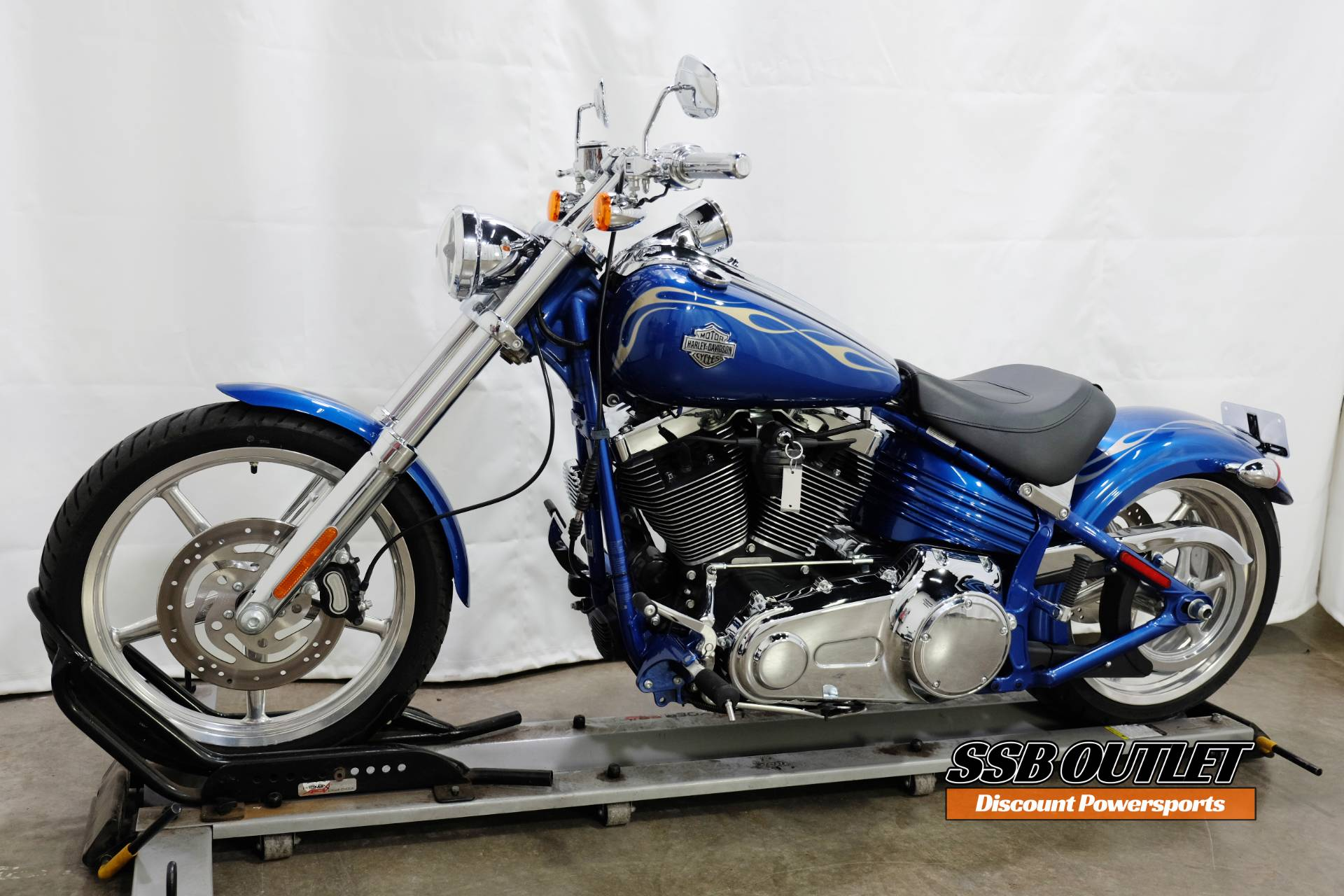 2009 Harley-Davidson Softail® Rocker™ C in Eden Prairie, Minnesota - Photo 3