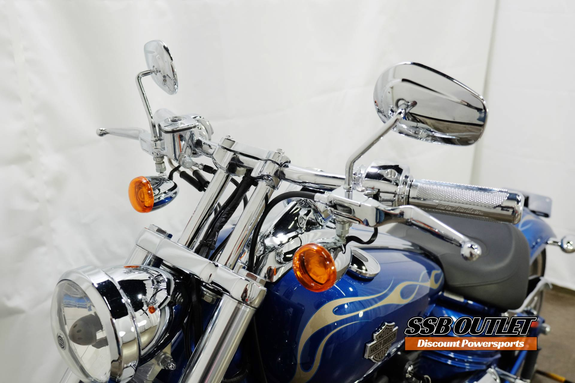 2009 Harley-Davidson Softail® Rocker™ C in Eden Prairie, Minnesota - Photo 13