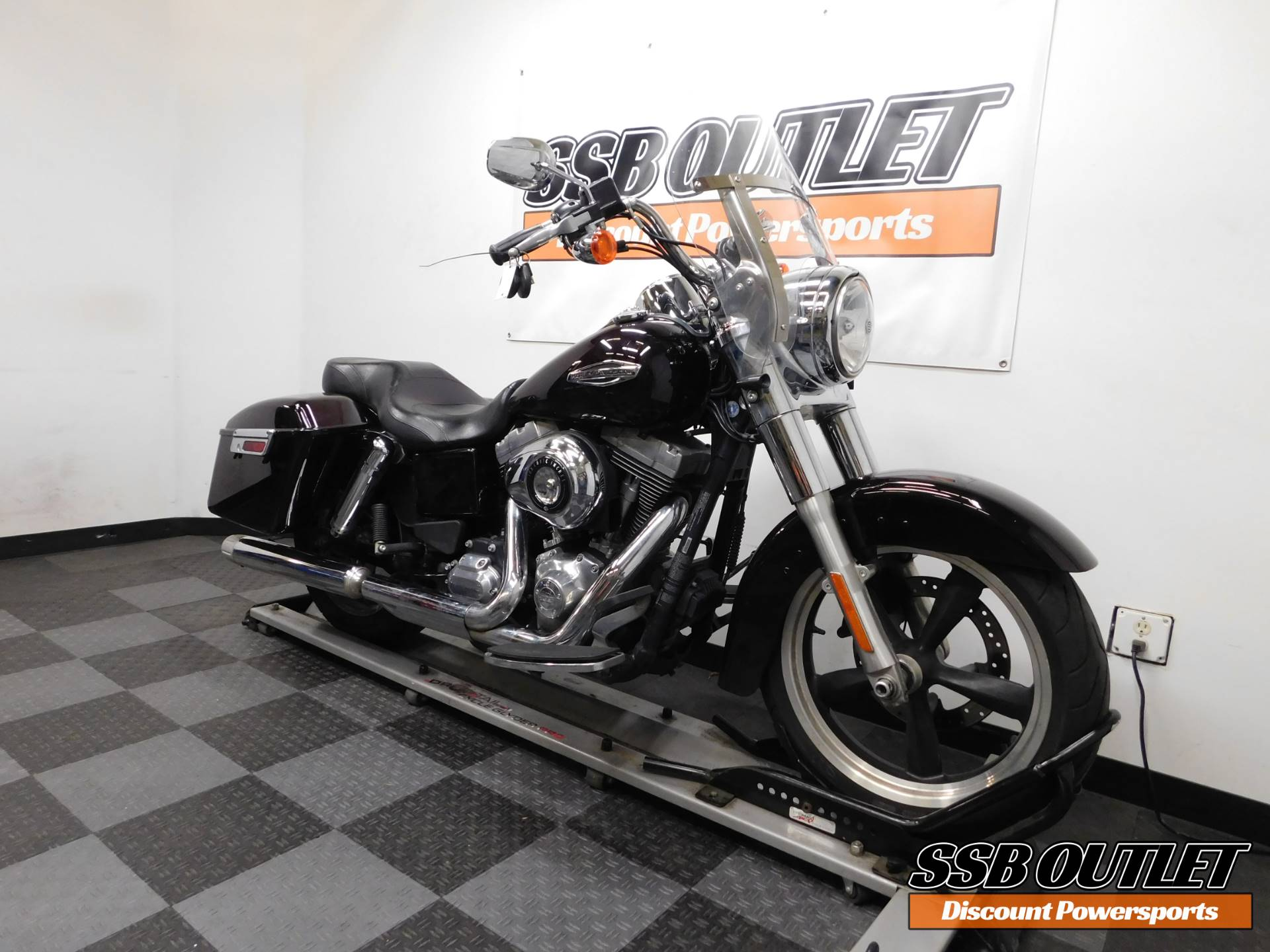 2014 Harley-Davidson Dyna® Switchback™ in Eden Prairie, Minnesota - Photo 2