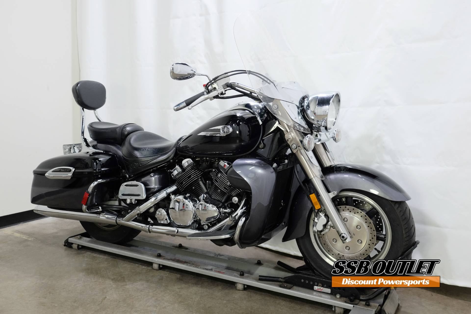 2005 Yamaha Royal Star® Tour Deluxe in Eden Prairie, Minnesota - Photo 2