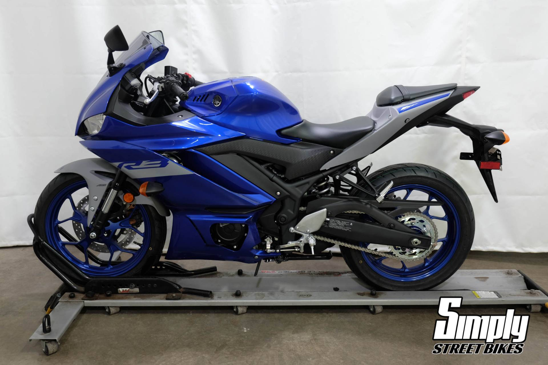 2020 Yamaha YZF-R3 ABS in Eden Prairie, Minnesota - Photo 5