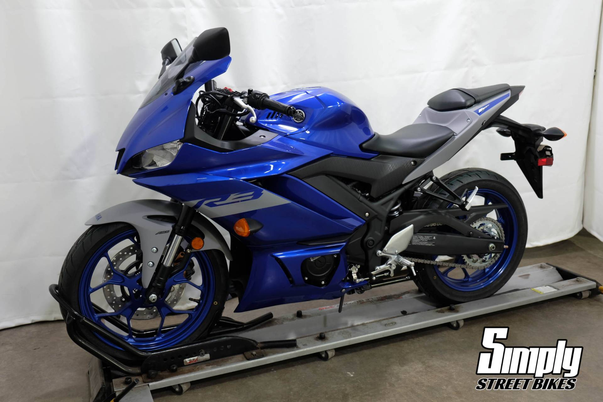 2020 Yamaha YZF-R3 ABS in Eden Prairie, Minnesota - Photo 4