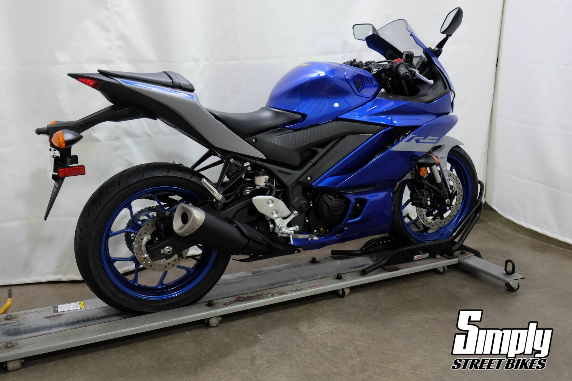 2020 Yamaha YZF-R3 ABS in Eden Prairie, Minnesota - Photo 8