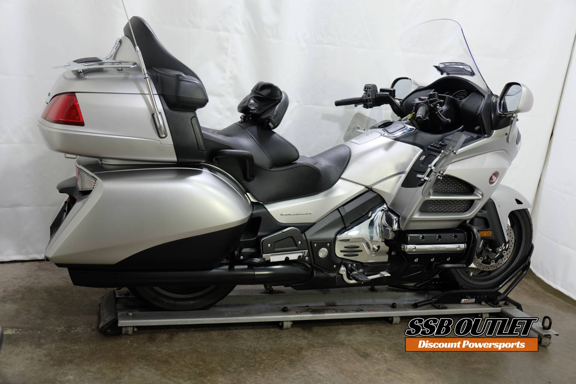 2016 Honda Gold Wing Audio Comfort in Eden Prairie, Minnesota - Photo 6